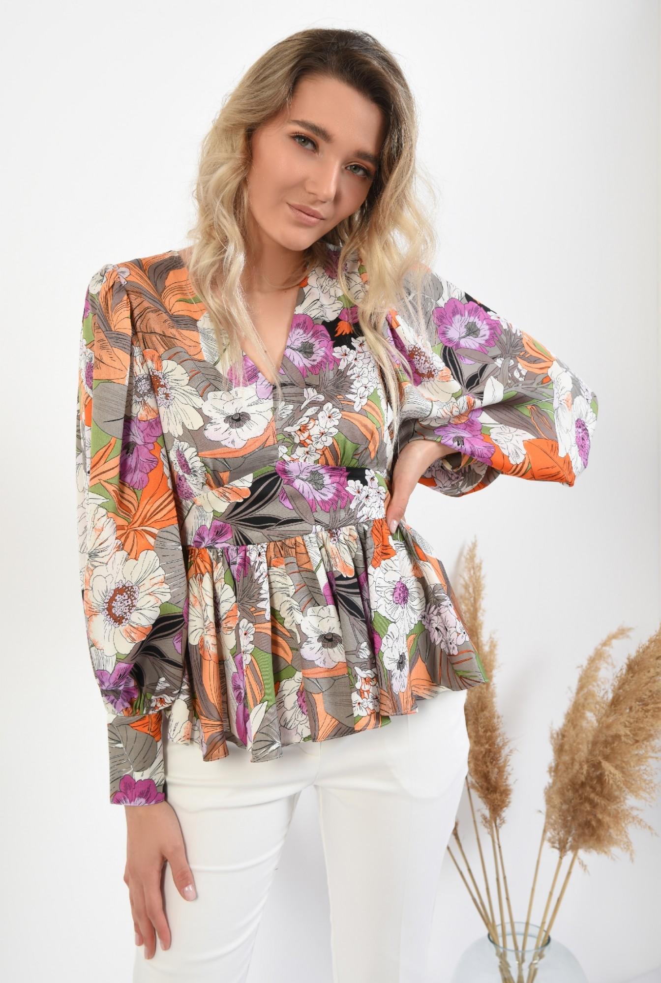 0 -  bluza eleganta, cu peplum, maneci bufante, cu flori