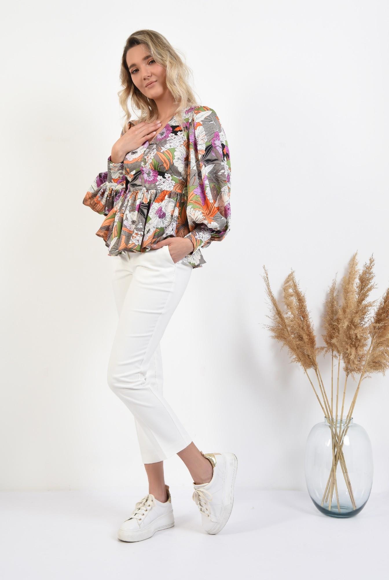 3 -  bluza eleganta, cu peplum, maneci bufante, cu flori