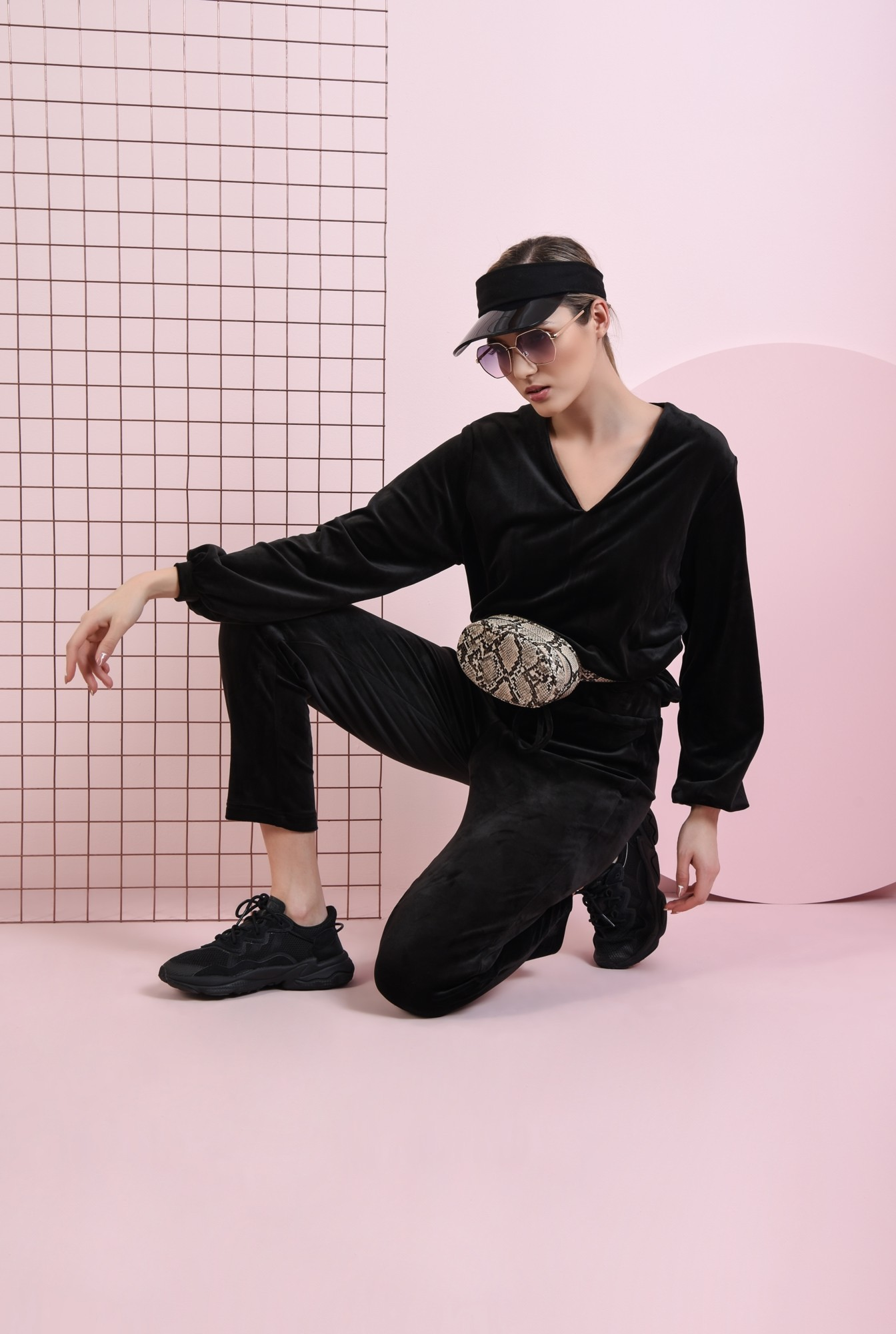 0 - bluza casual, din catifea, neagra, cu anchior
