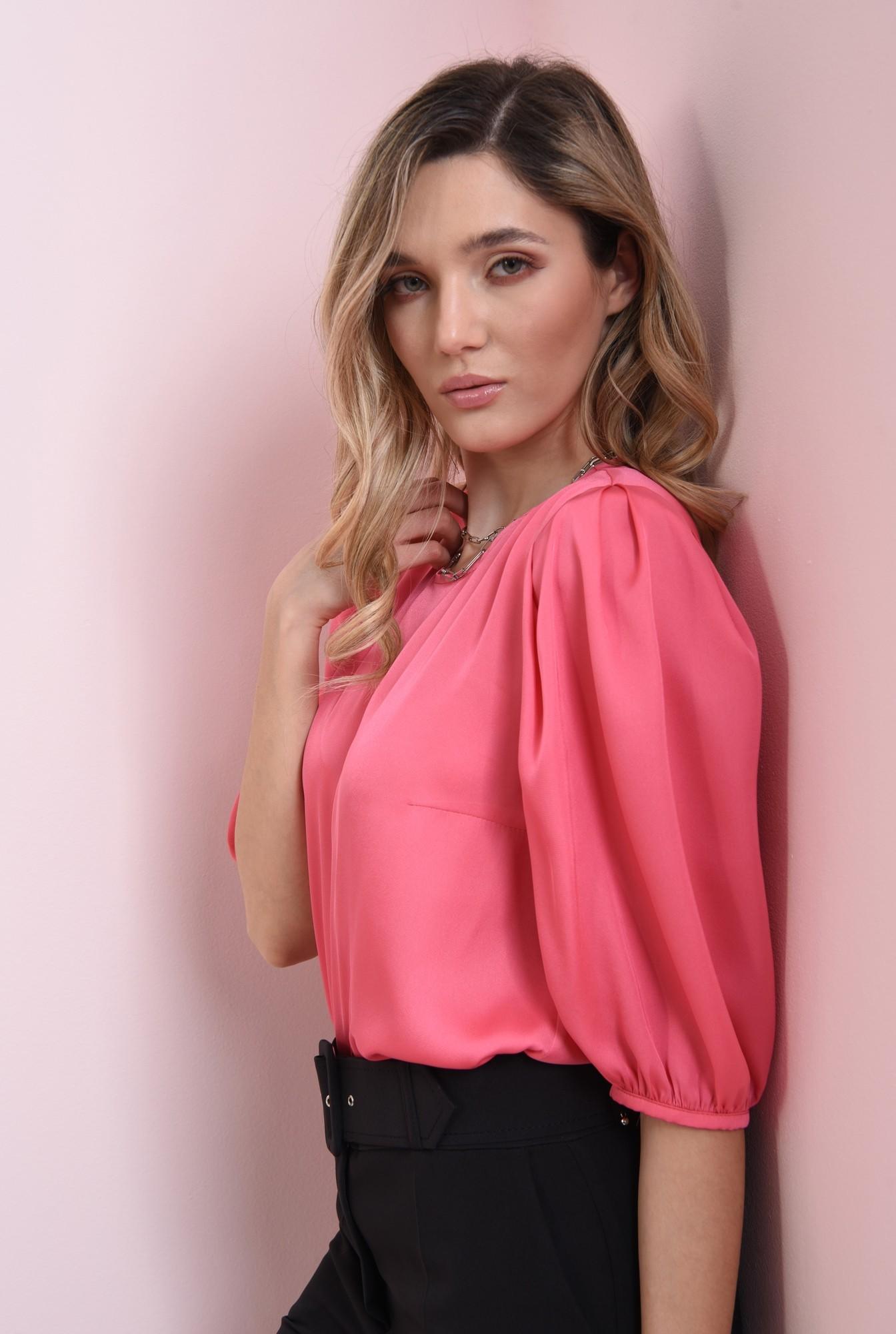 2 - bluza matasoasa, roz, cu maneci bufante