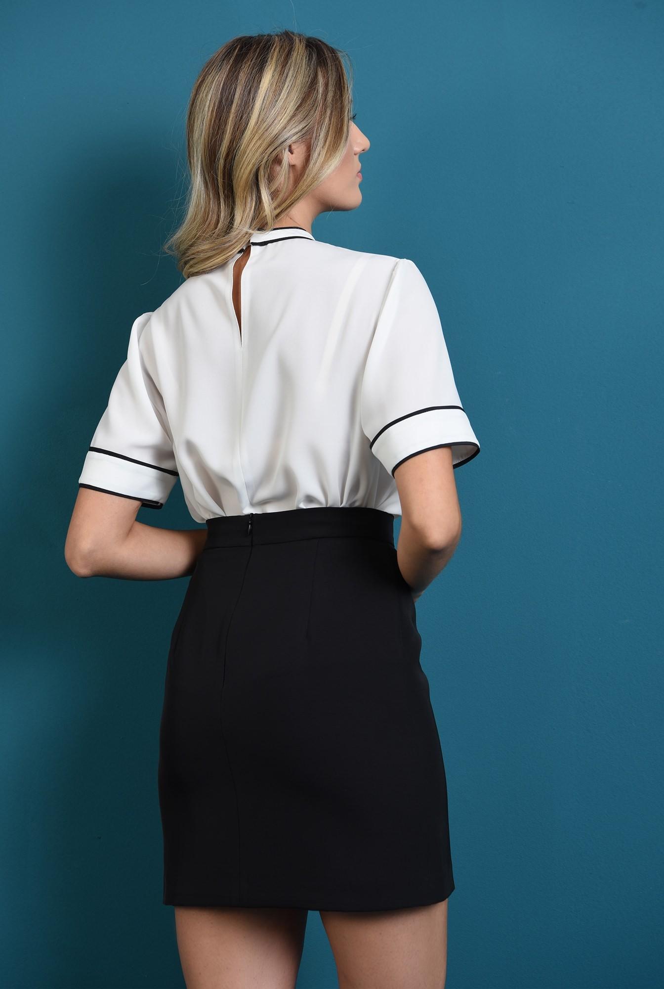 1 - bluza alba cu decolteu rotund, cu borduri contrastante