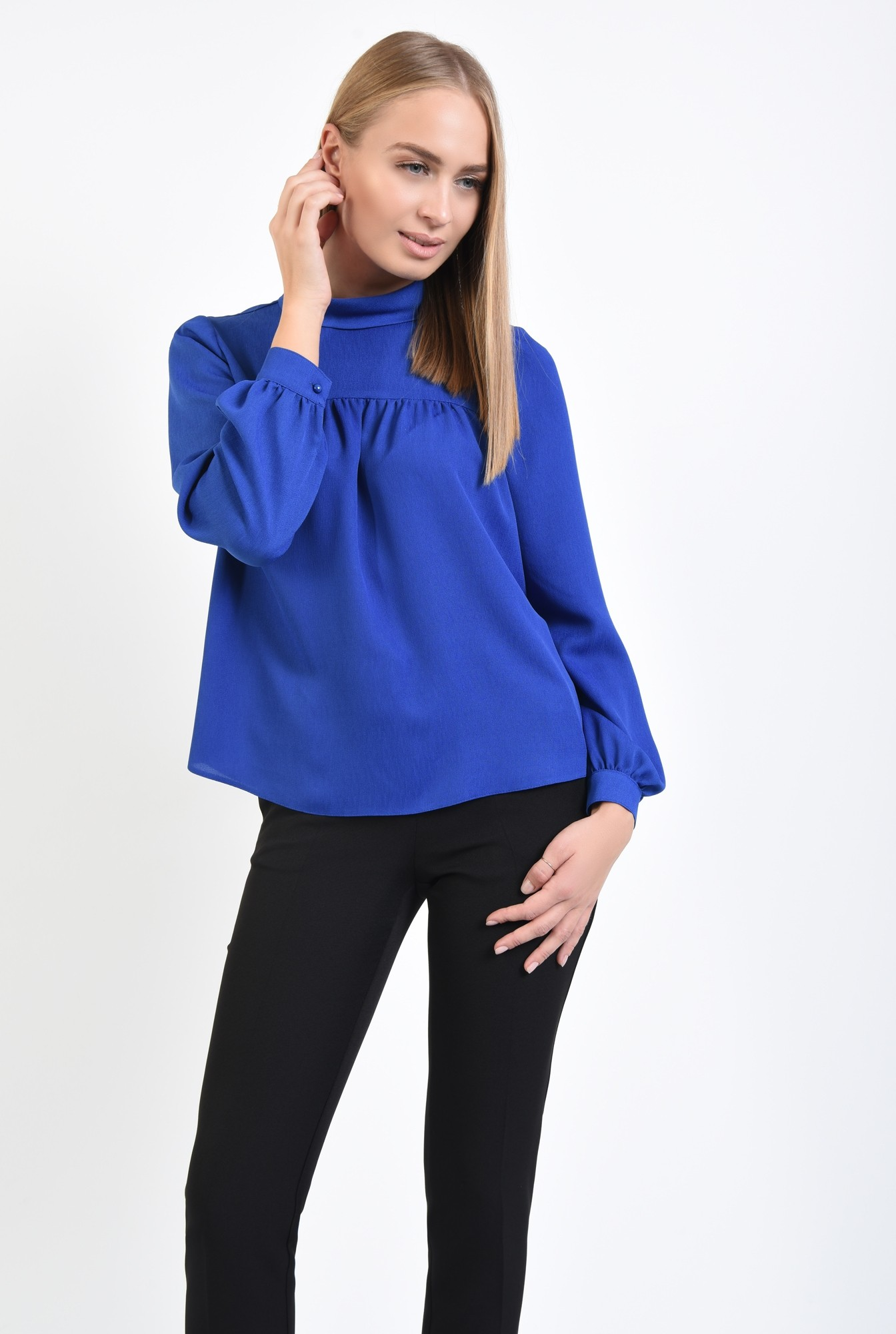 0 - 360 - bluza albastra, croi lejer, maneci lungi
