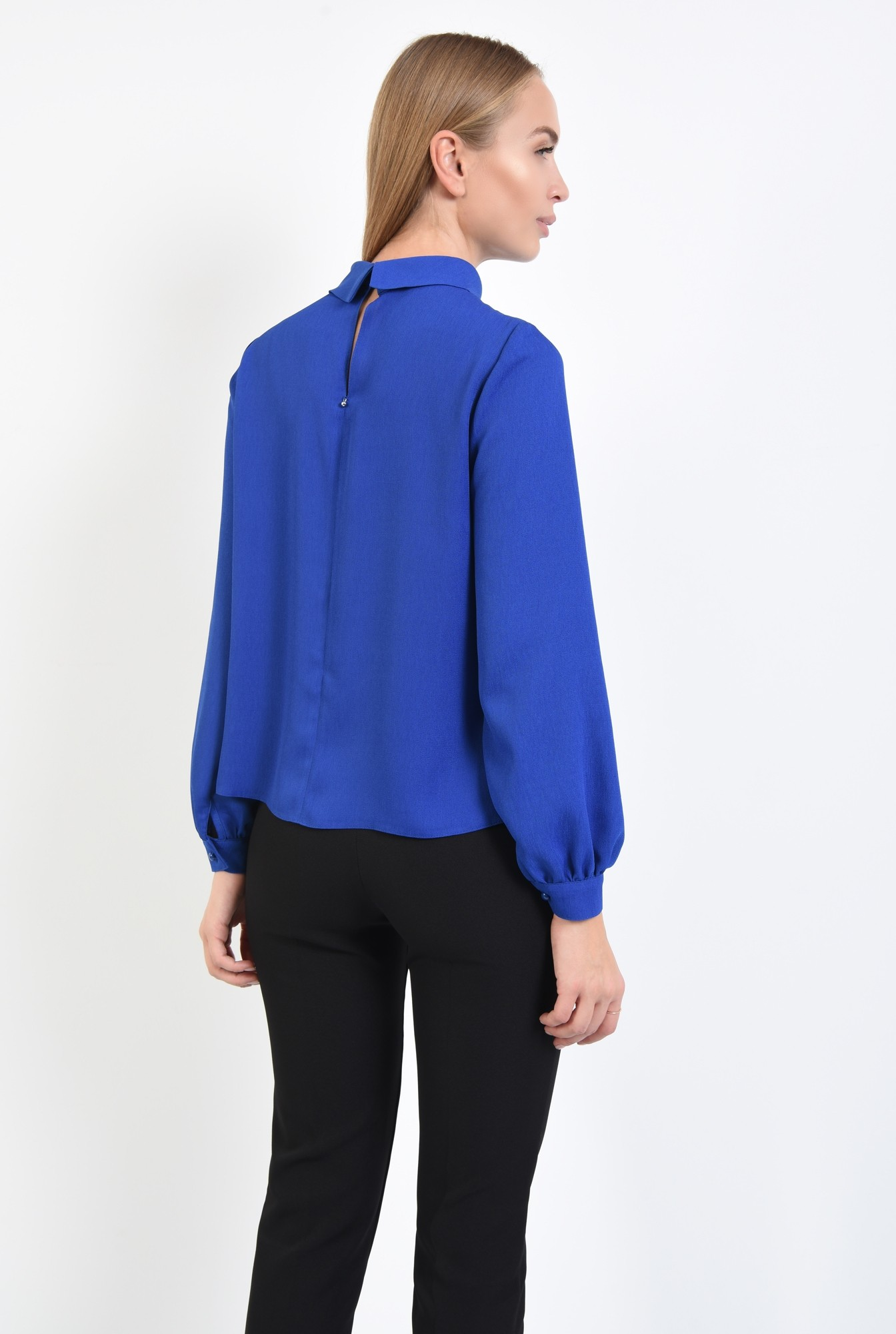 1 - 360 - bluza albastra, croi lejer, maneci lungi