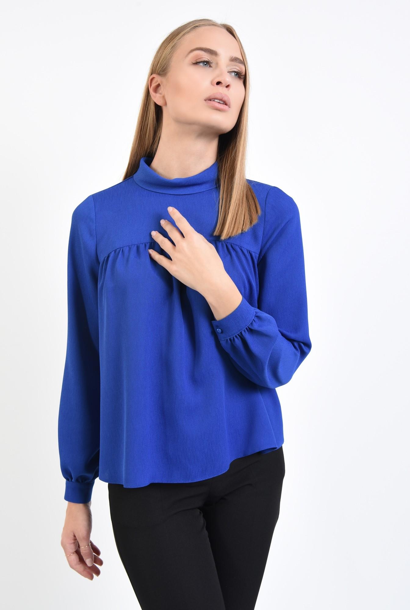 2 - 360 - bluza albastra, croi lejer, maneci lungi