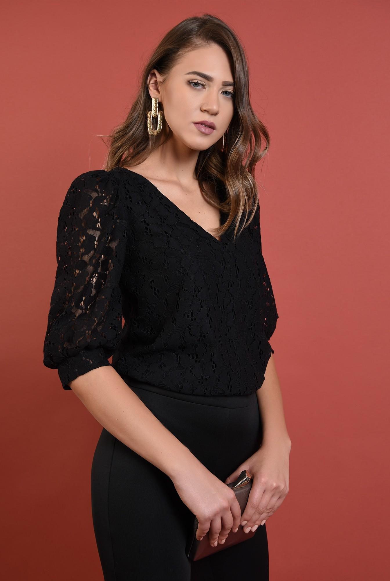2 - bluza neagra, eleganta, cu maneci bufante, decolteu anchior