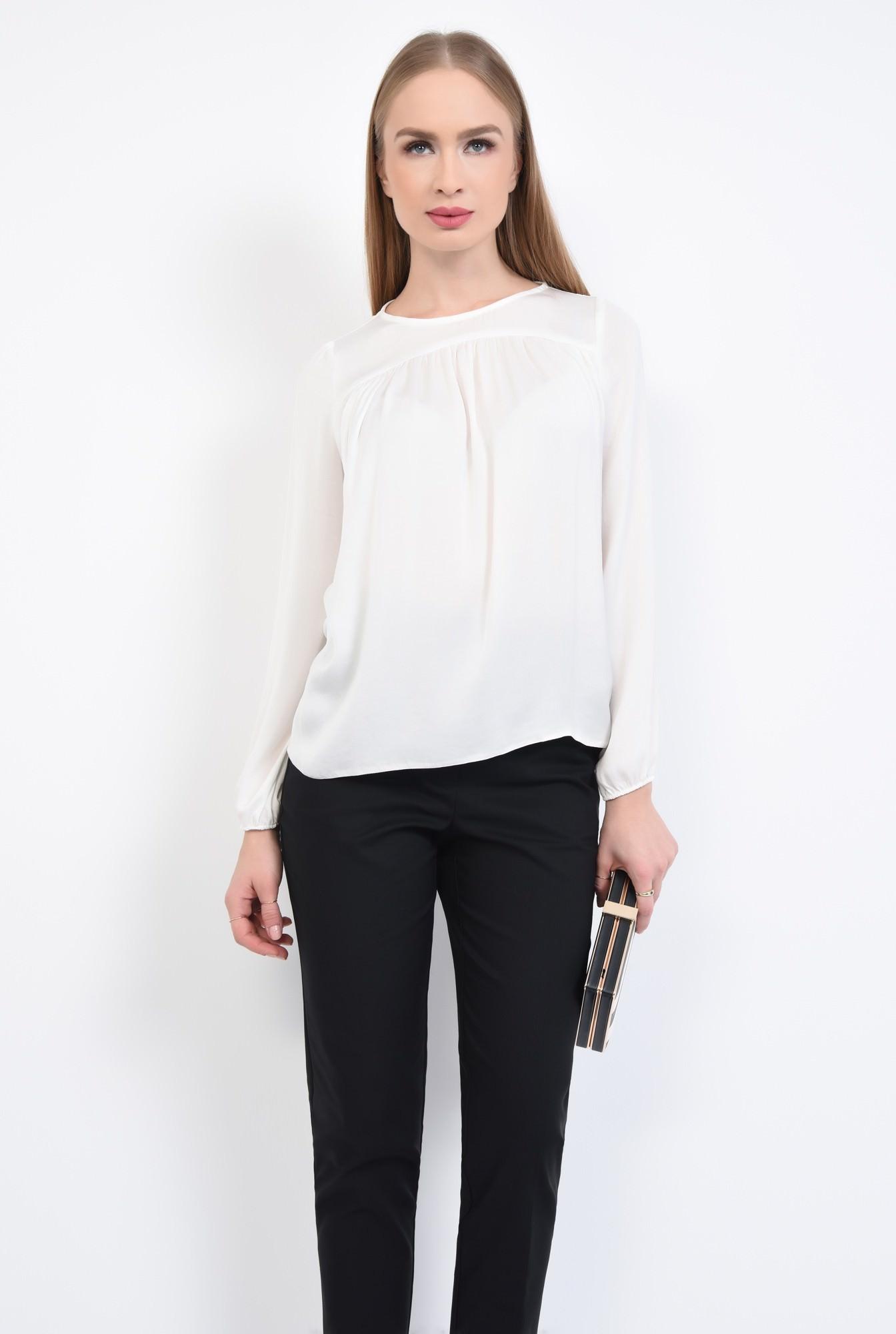 0 - Bluza eleganta, vaporoasa, decolteu rotund