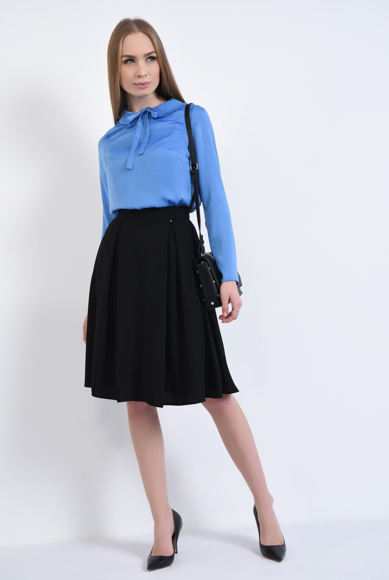 3 - bluza albastra, satin, funda