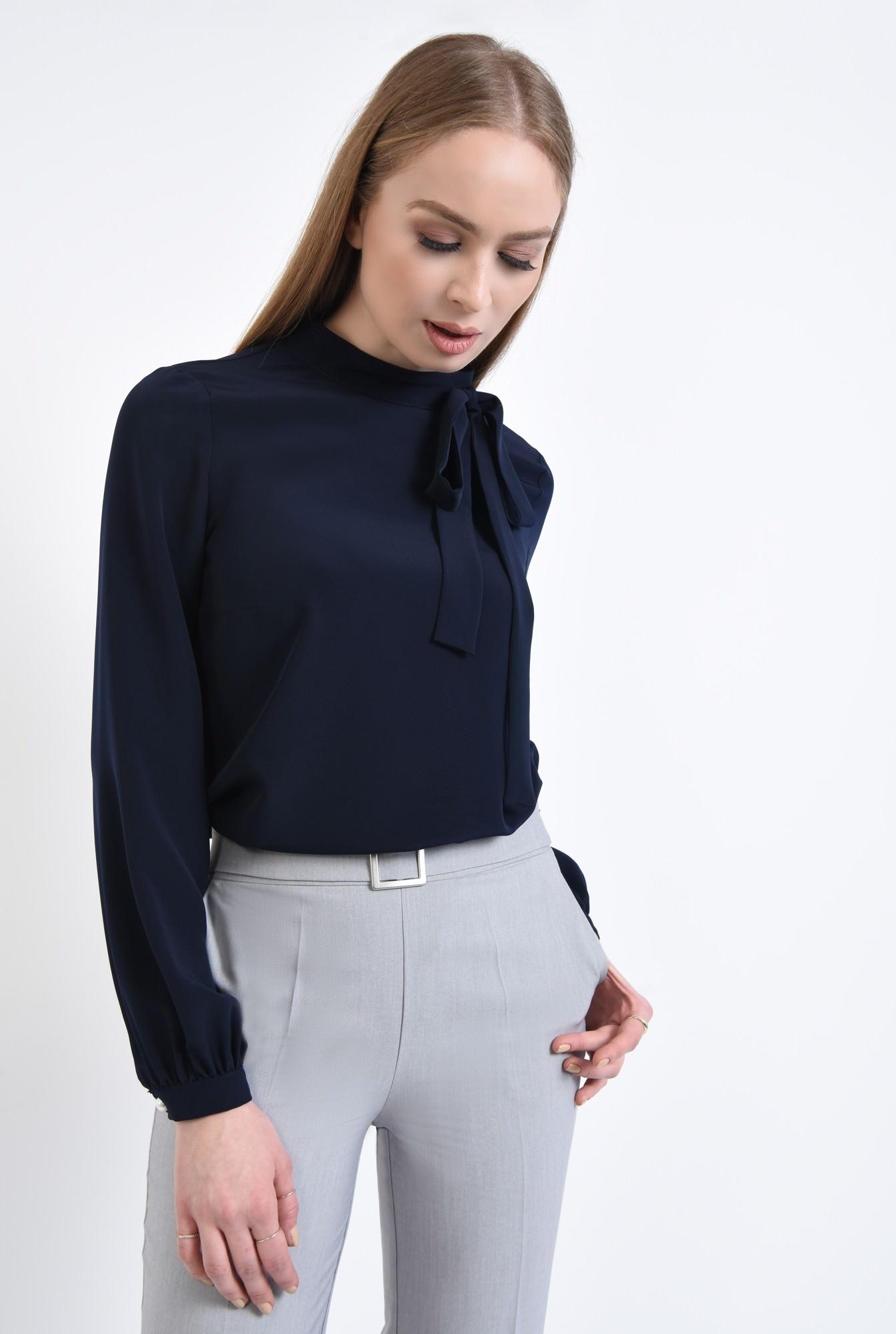 2 - 360 - Bluza eleganta, cu funda