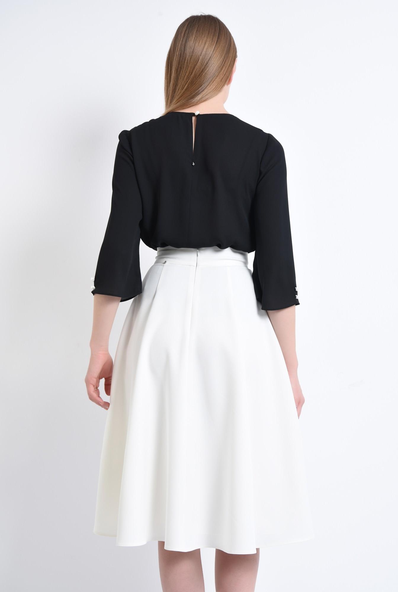 1 - 360 - Bluza de vara, nasturi contrast