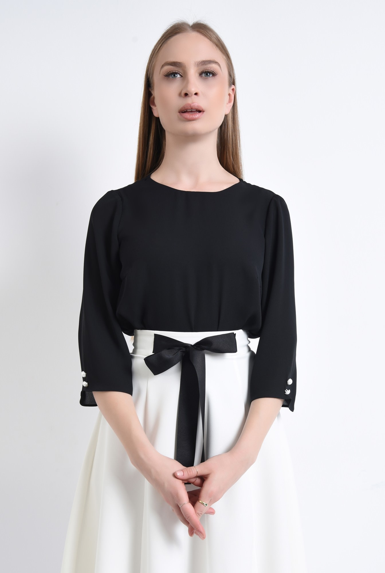 2 - 360 - Bluza de vara, nasturi contrast