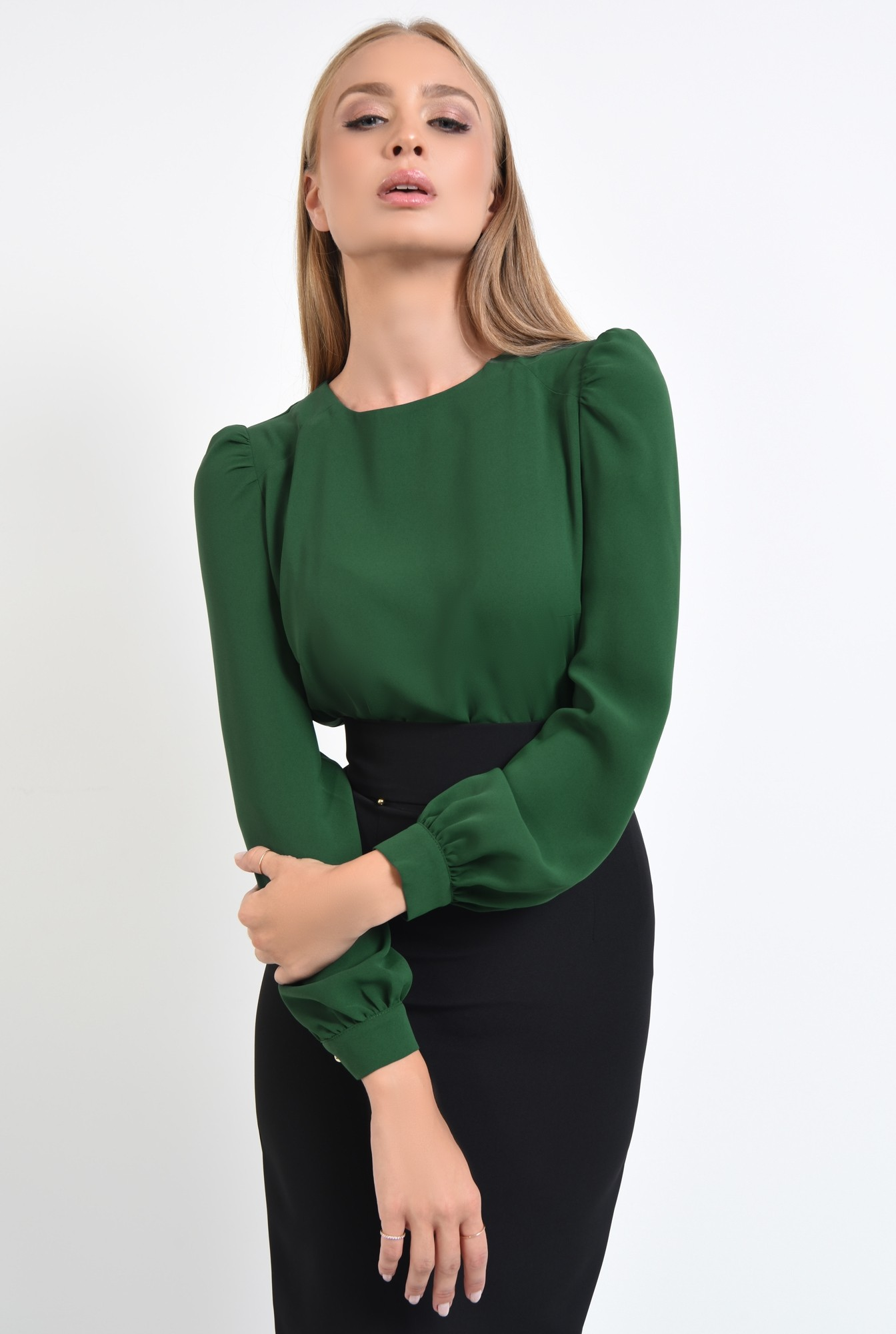 2 - 360 - bluza verde, de zi, maneci bufante, spate cu platca, pliuri, decolteu la baza gatului