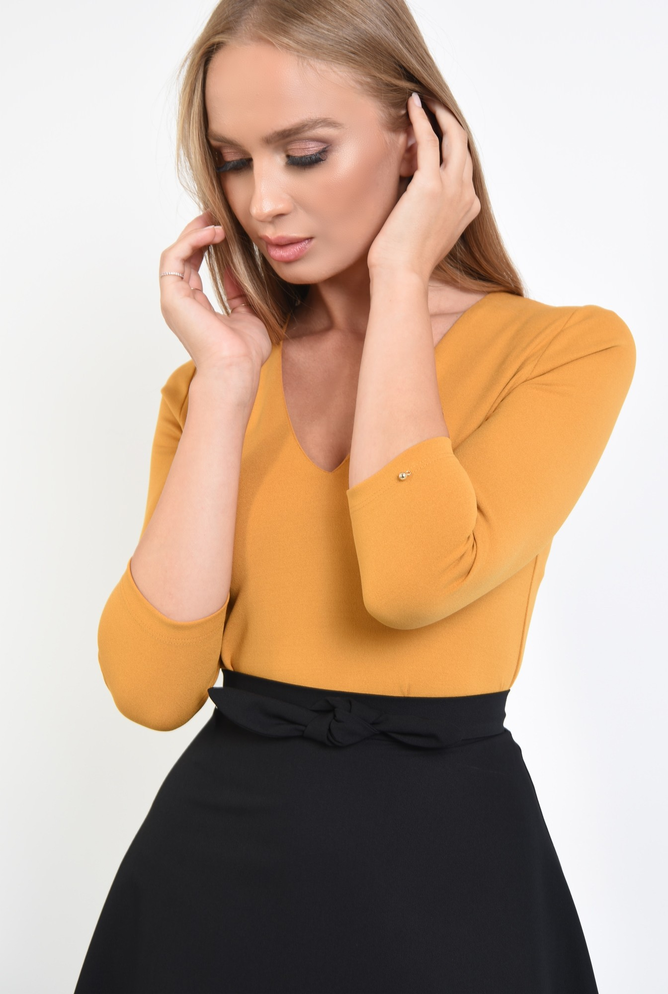 2 - 360 - bluza casual mustar, decoltata, croi drept, anchior, tesatura elastica