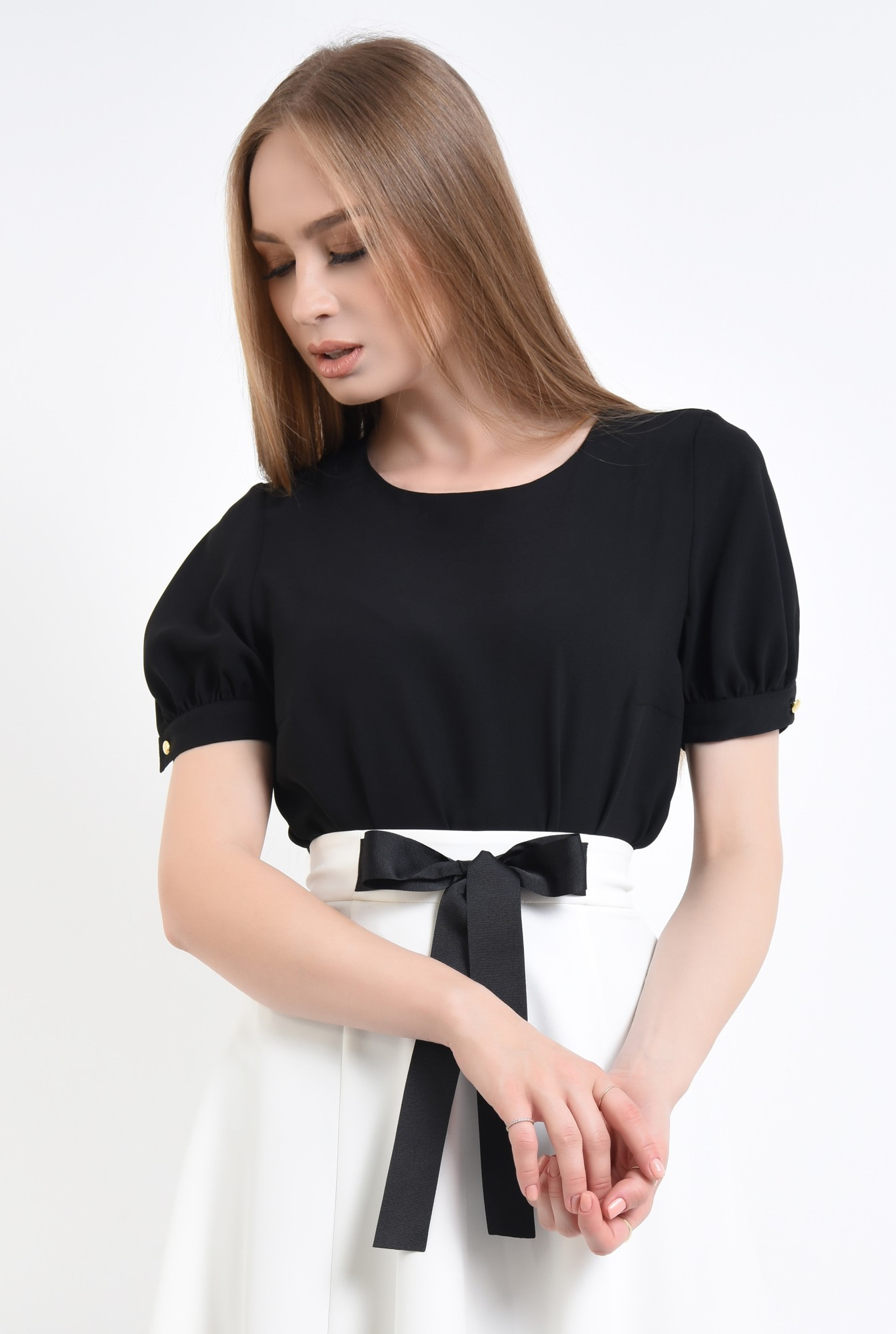 2 - 360 - Bluza eleganta, maneci scurte