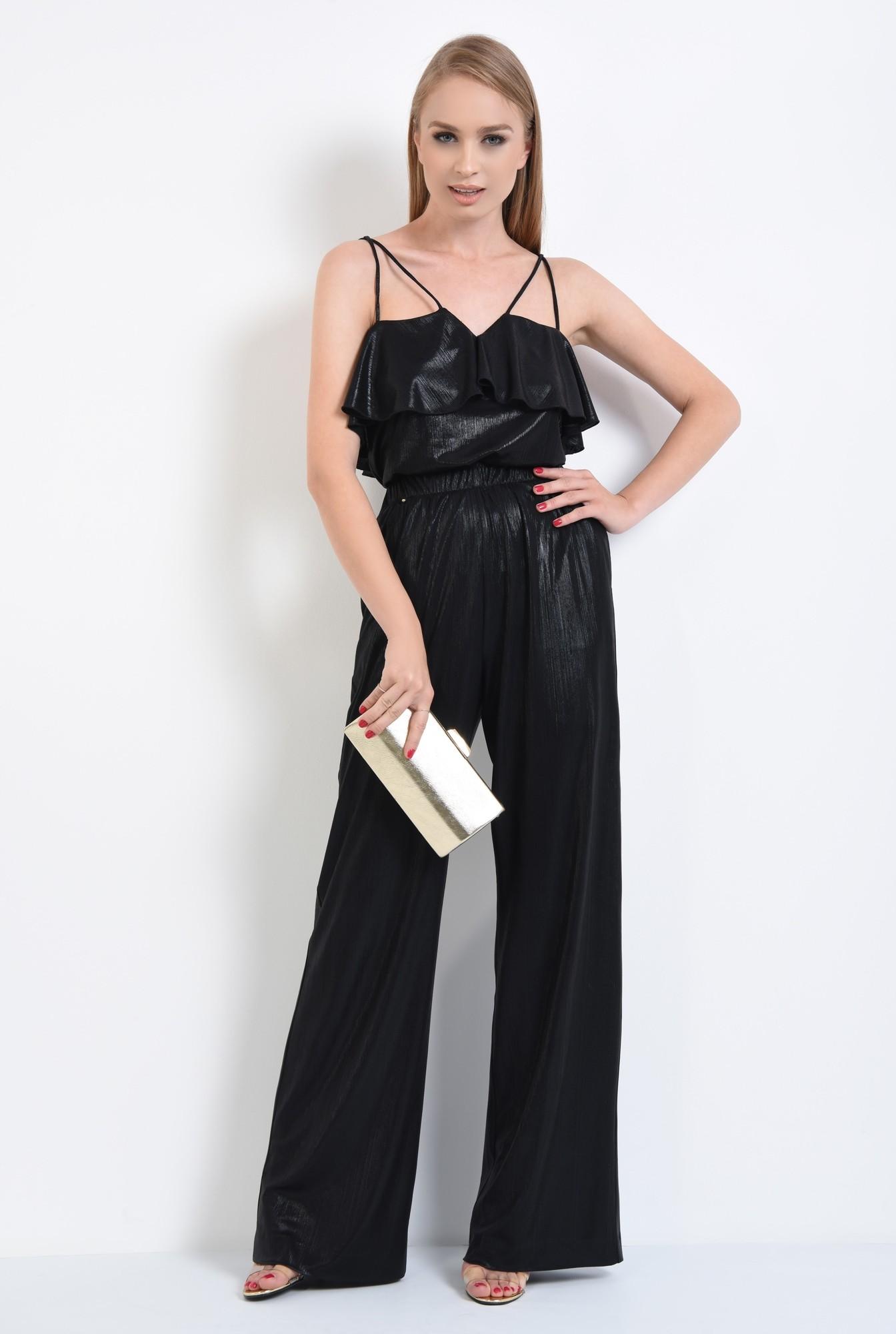 3 - pantaloni eleganti, evazati, croi lejer, negru