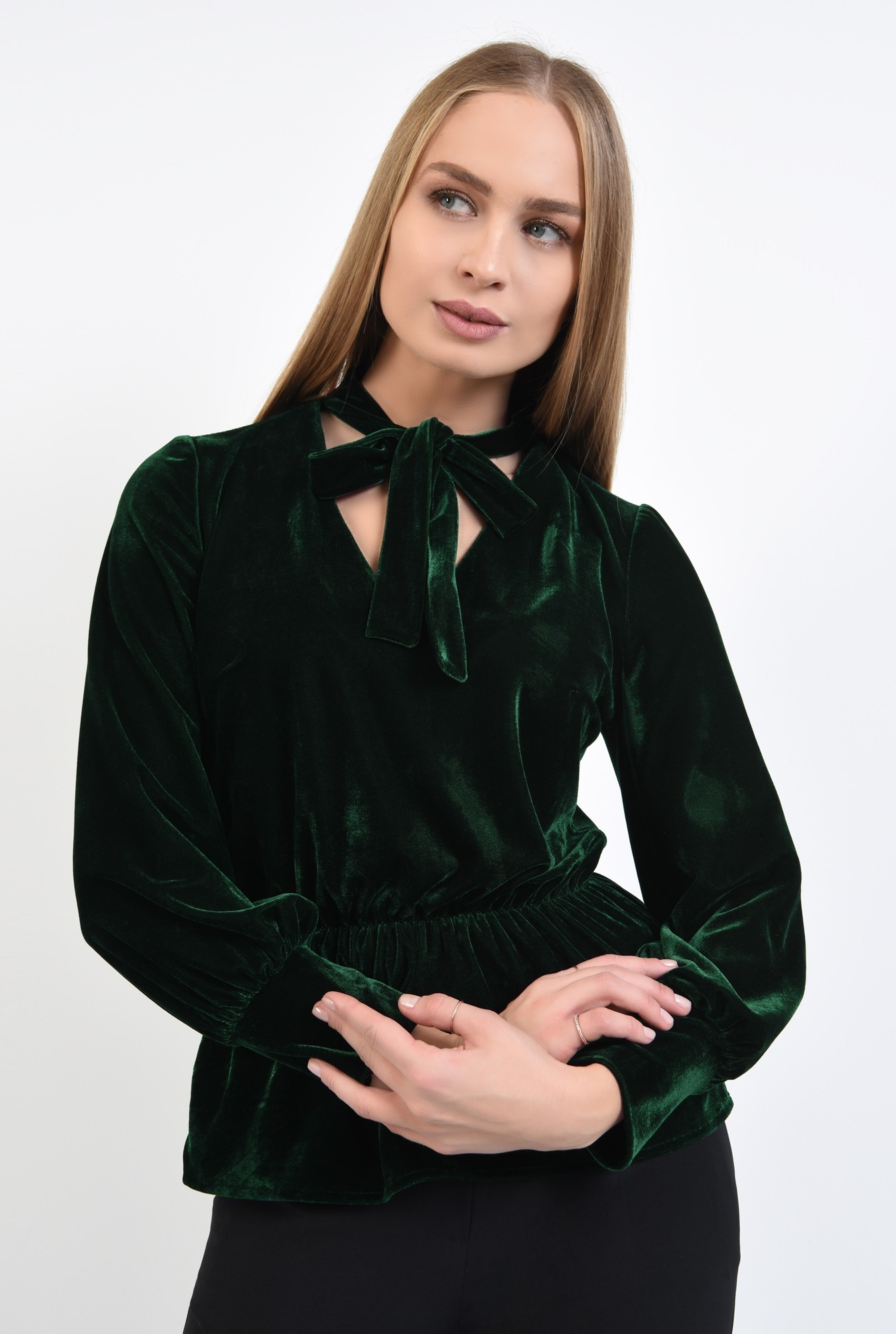 1 - 360 - bluza din catifea verde, cu funda, cu volan, maneci lungi