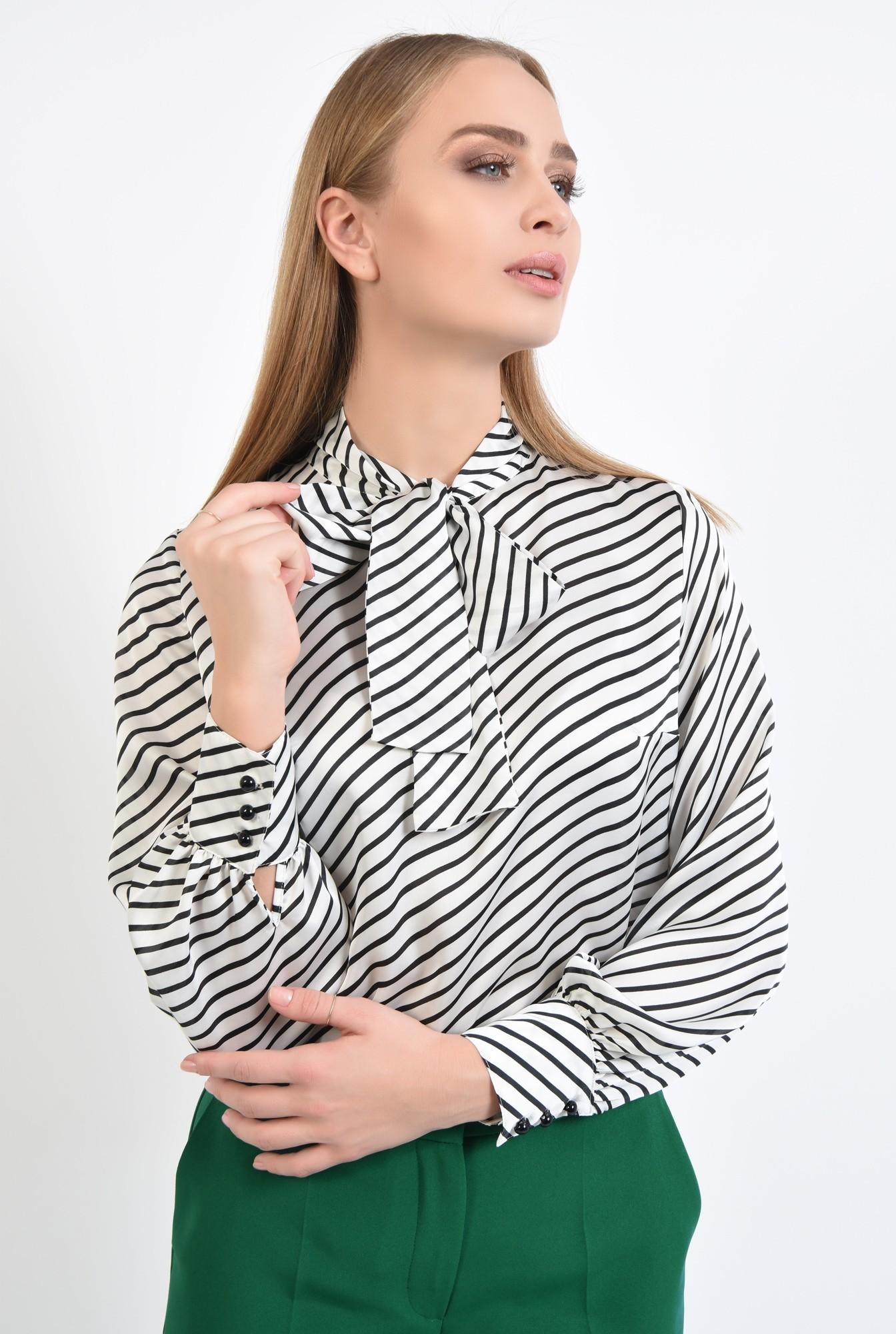 2 - 360 - bluza de zi, cu funda, dungi alb-negru