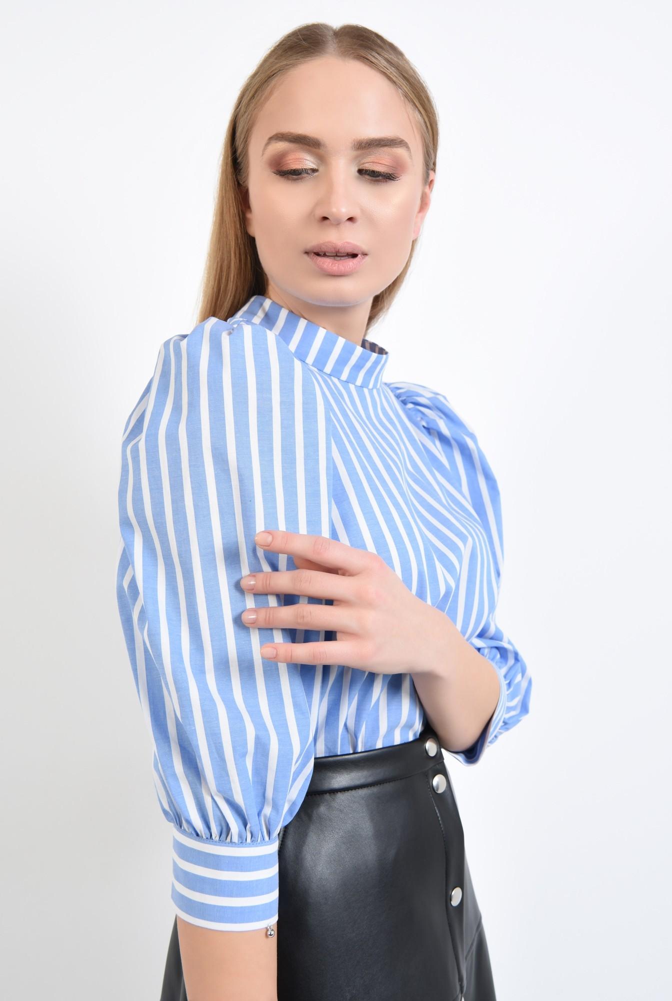 2 - 360 - bluza de zi, imprimeu dungi, alb, bleu, guler aplicat, inchidere cu butoniera