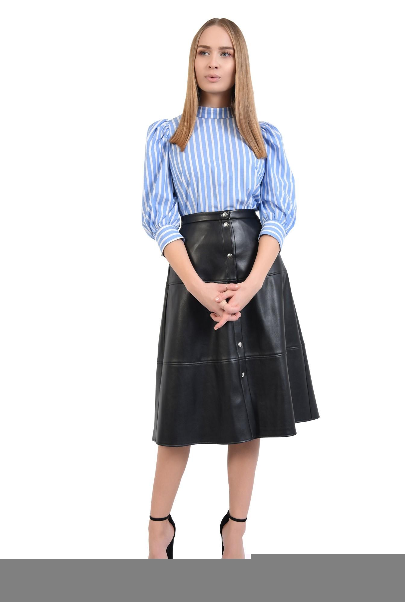 3 - 360 - bluza de zi, imprimeu dungi, alb, bleu, guler aplicat, inchidere cu butoniera