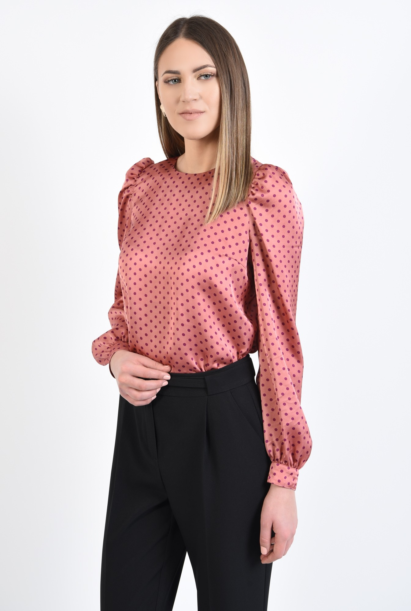 0 - 360 - bluza cu picouri, din satin roz, maneci lungi, croi drept, buline