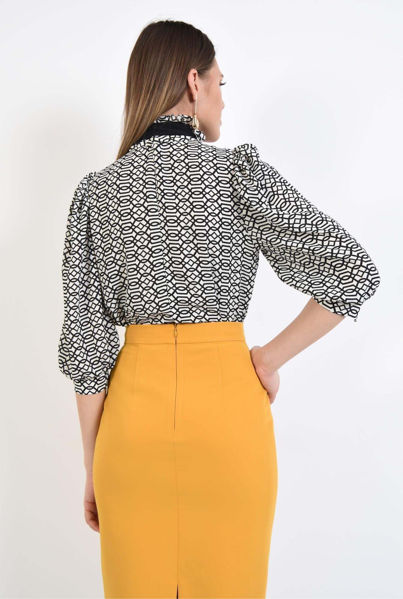1 - 360 - bluza cu print, croi drept, maneci 3/4, guler victorian