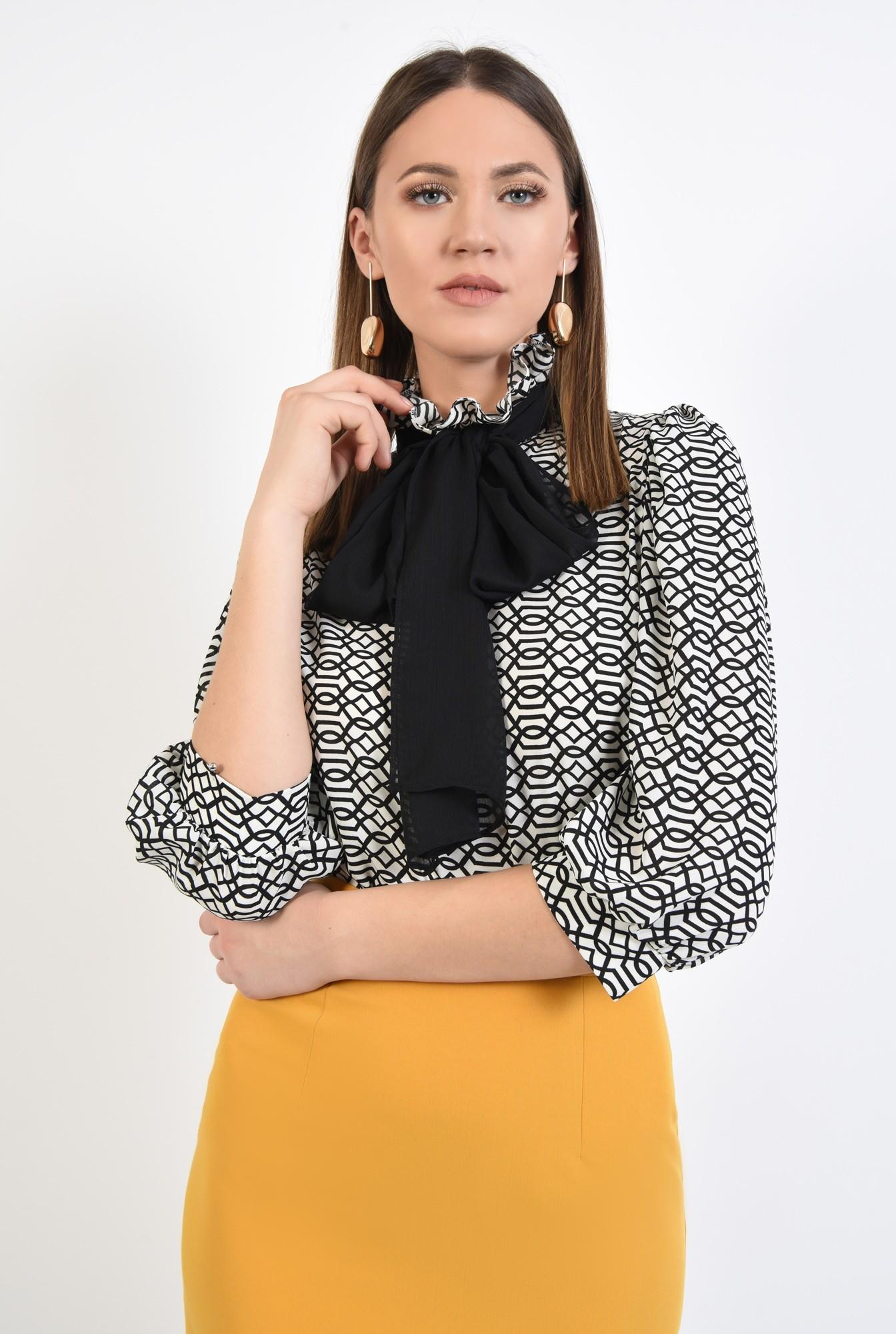 2 - 360 - bluza cu print, croi drept, maneci 3/4, guler victorian