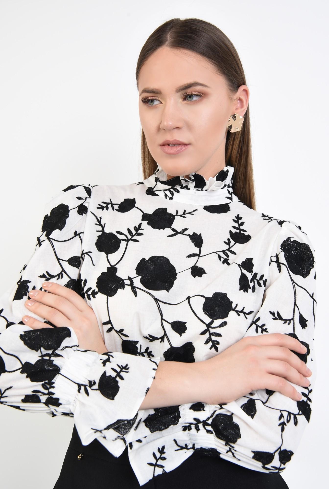 2 - 360 - bluza cu imprimeu, guler inalt incretit, croi lejer