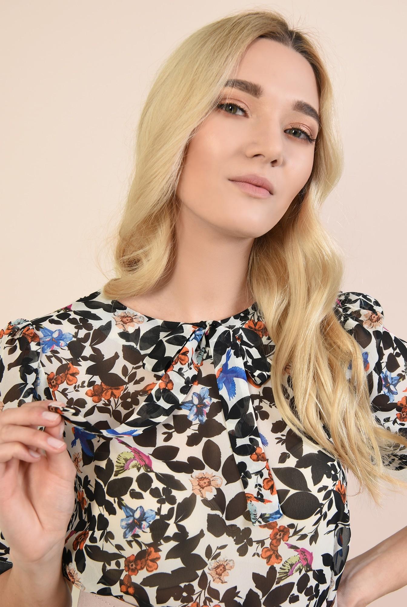 2 - bluza cu print floral, maneci bufante, decolteu rotund la baza gatului, funda