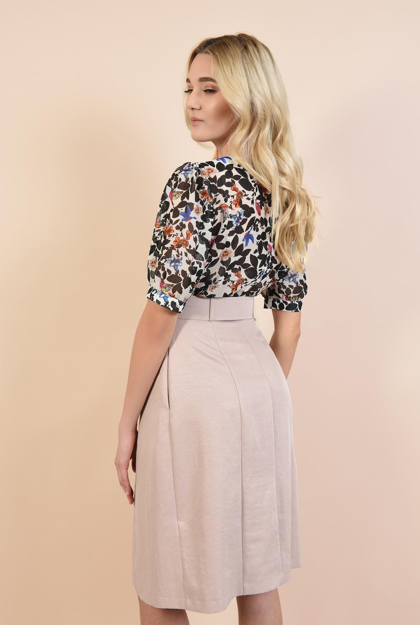 1 - bluza cu print floral, maneci bufante, decolteu rotund la baza gatului, funda