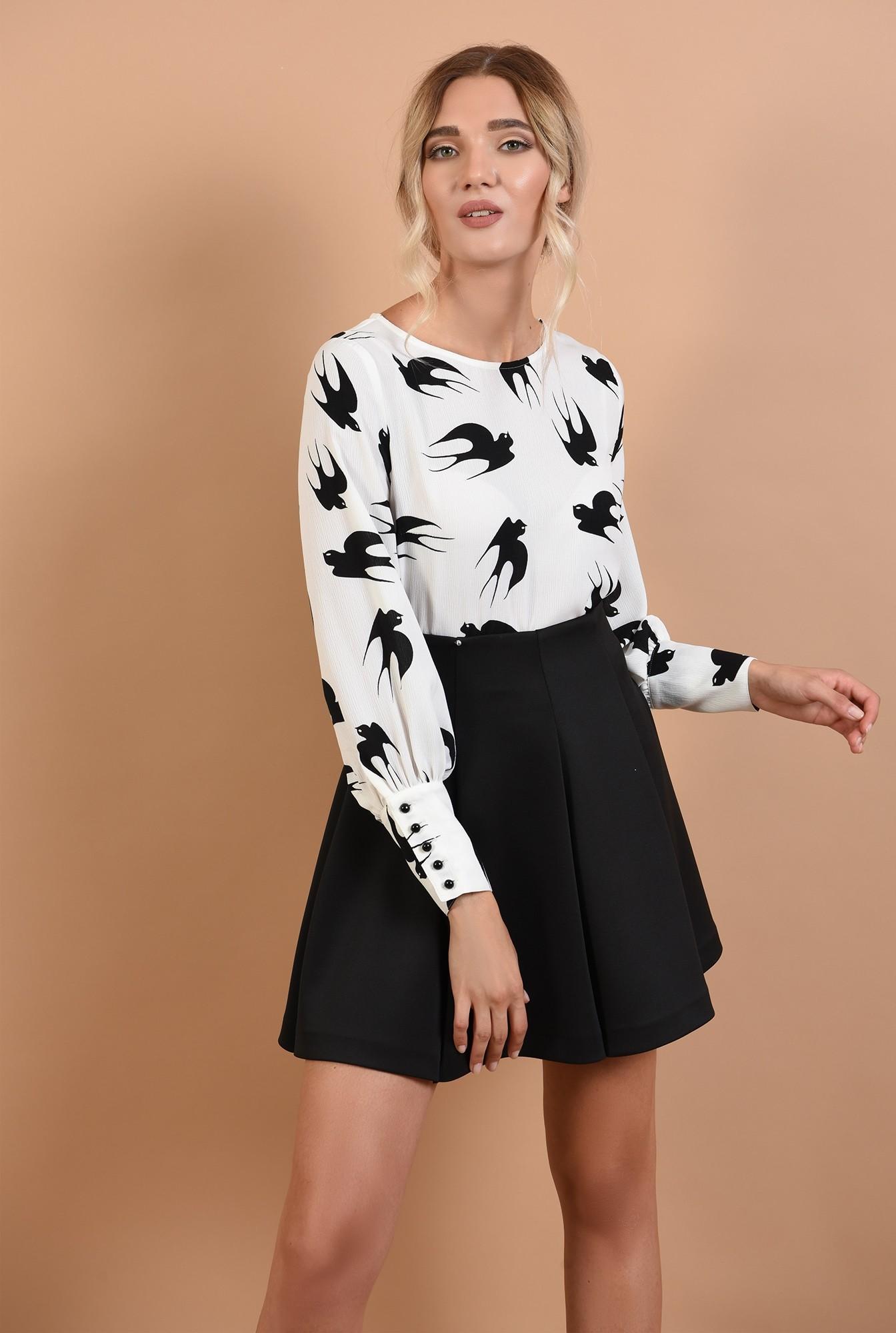 0 - 360 - bluza de toamna, alb-negru, decolteu la baza gatului, maneci cu mansete late