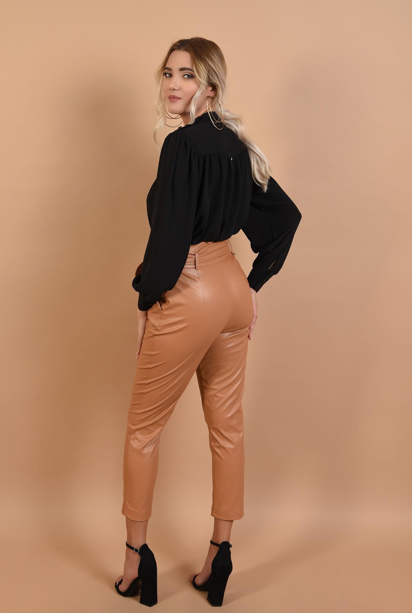 1 - bluza neagra, casual, cu platca incretita, nasturi la umar