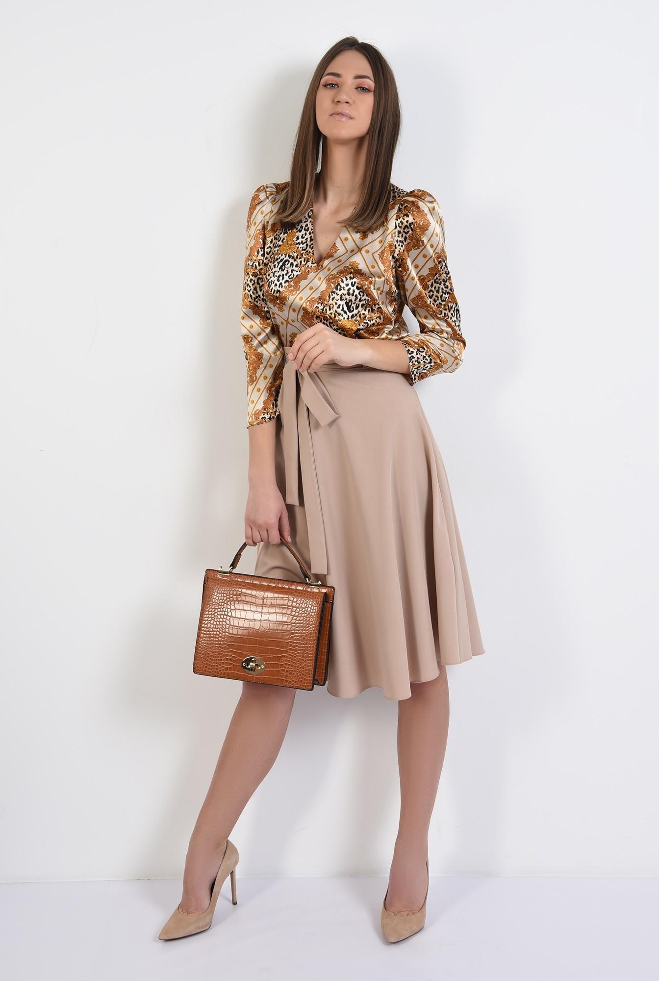 3 - bluza eleganta, din satin, cu imprimeu, animal print, bluza de primavara