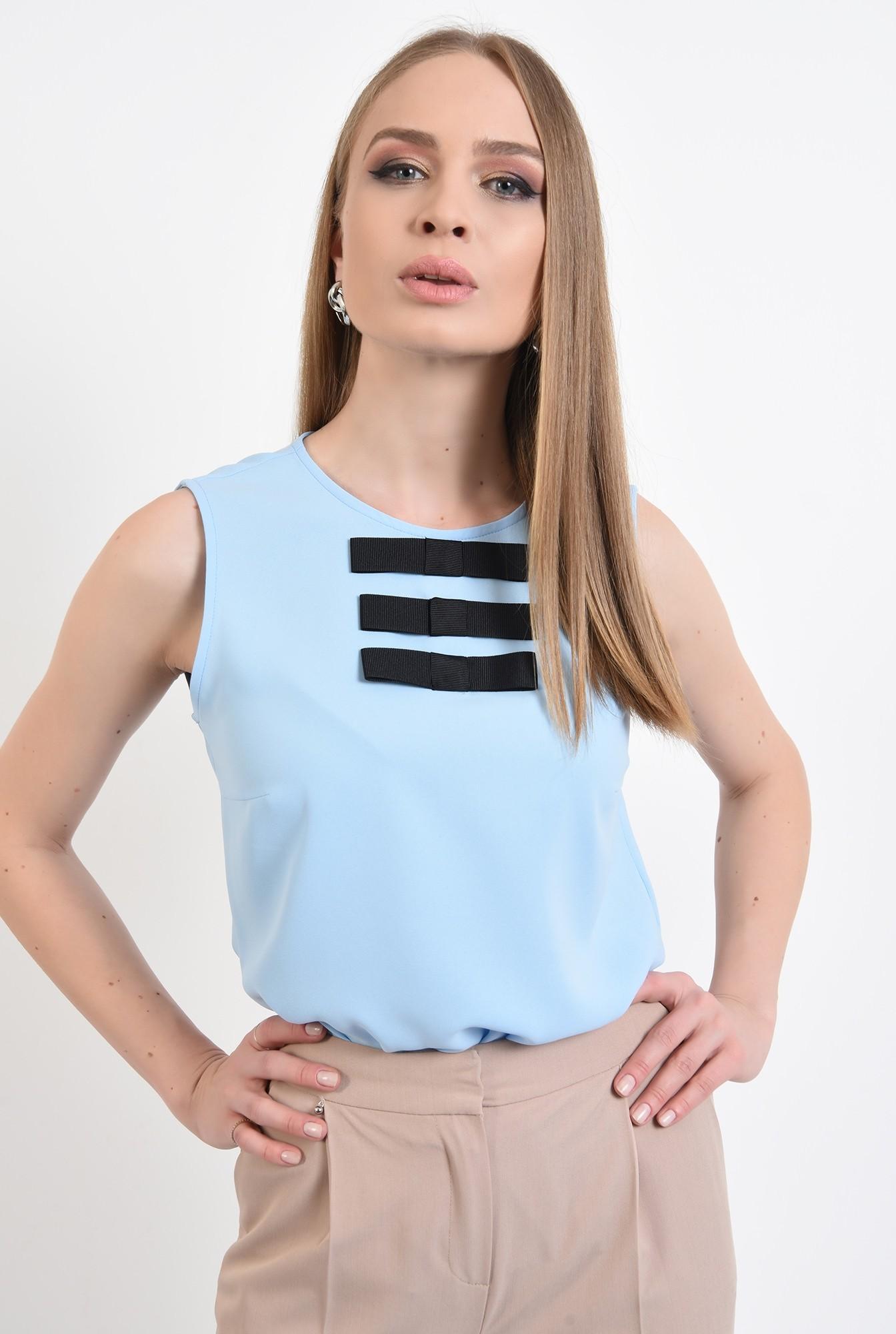 2 - bluza bleu, fara maneci, cu funde negre, bluza office