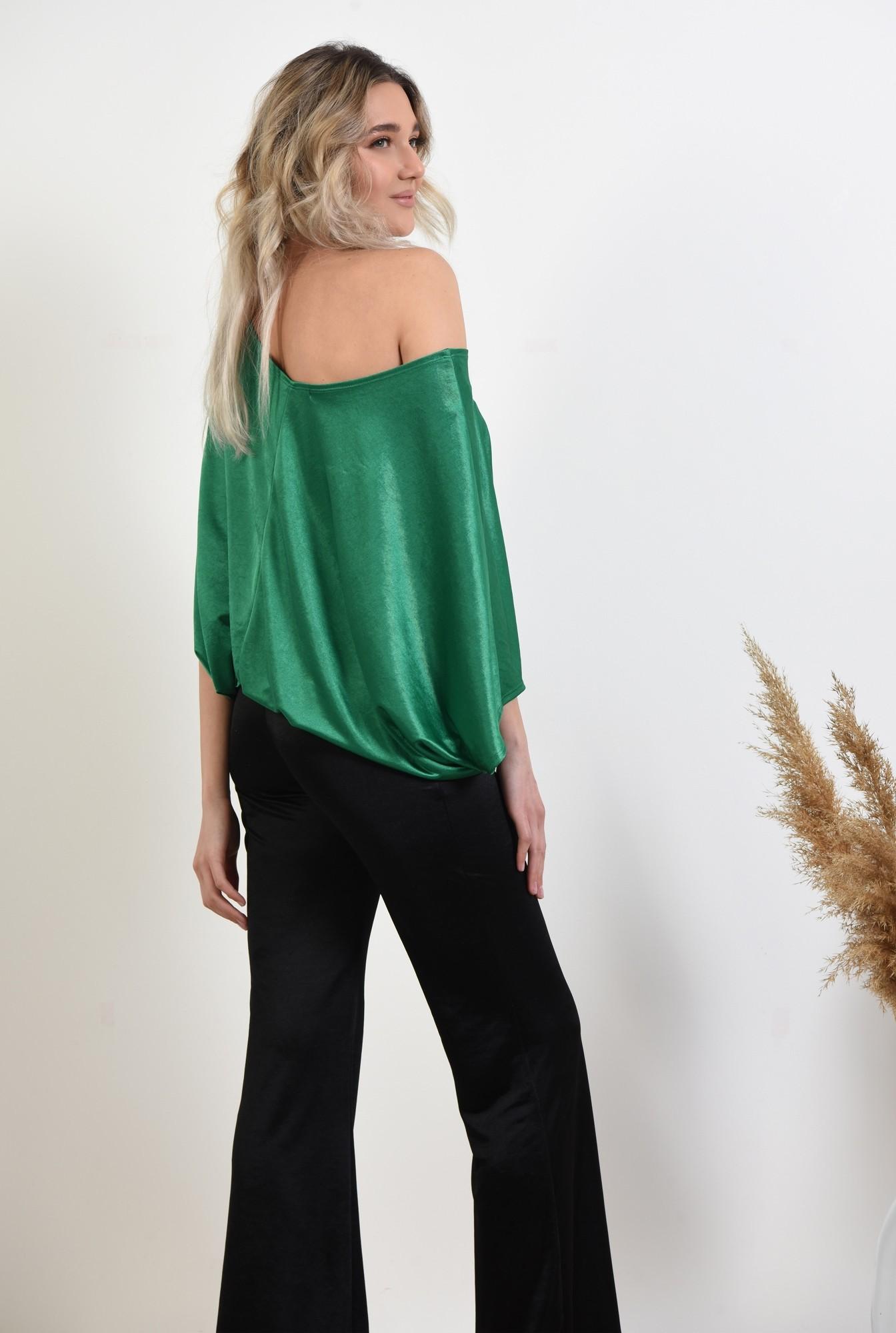 1 -  bluza verde, decolteu barcuta, elastic la talie, bluza casual