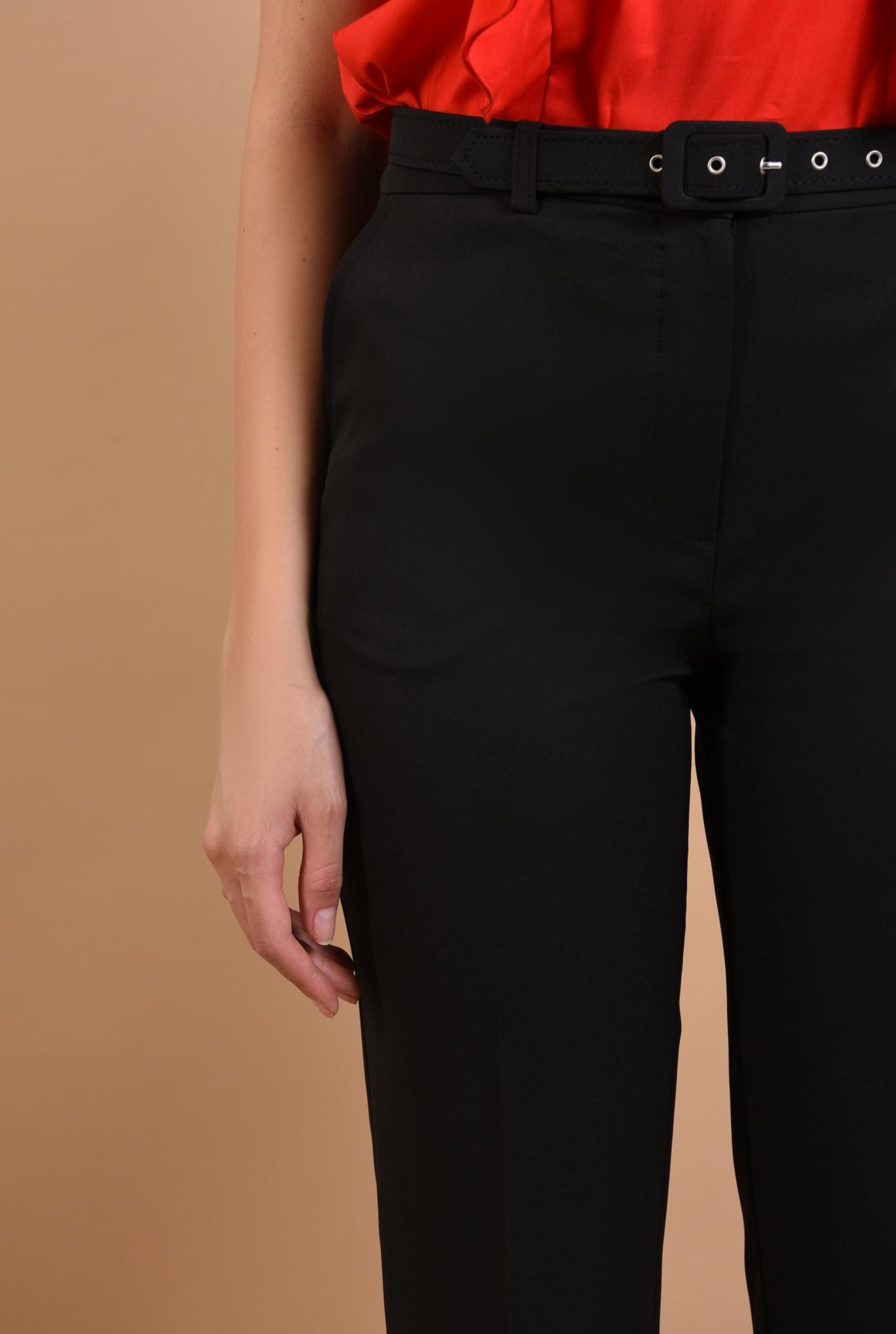 2 - 360 - pantaloni conici, negri, cu centura, Poema