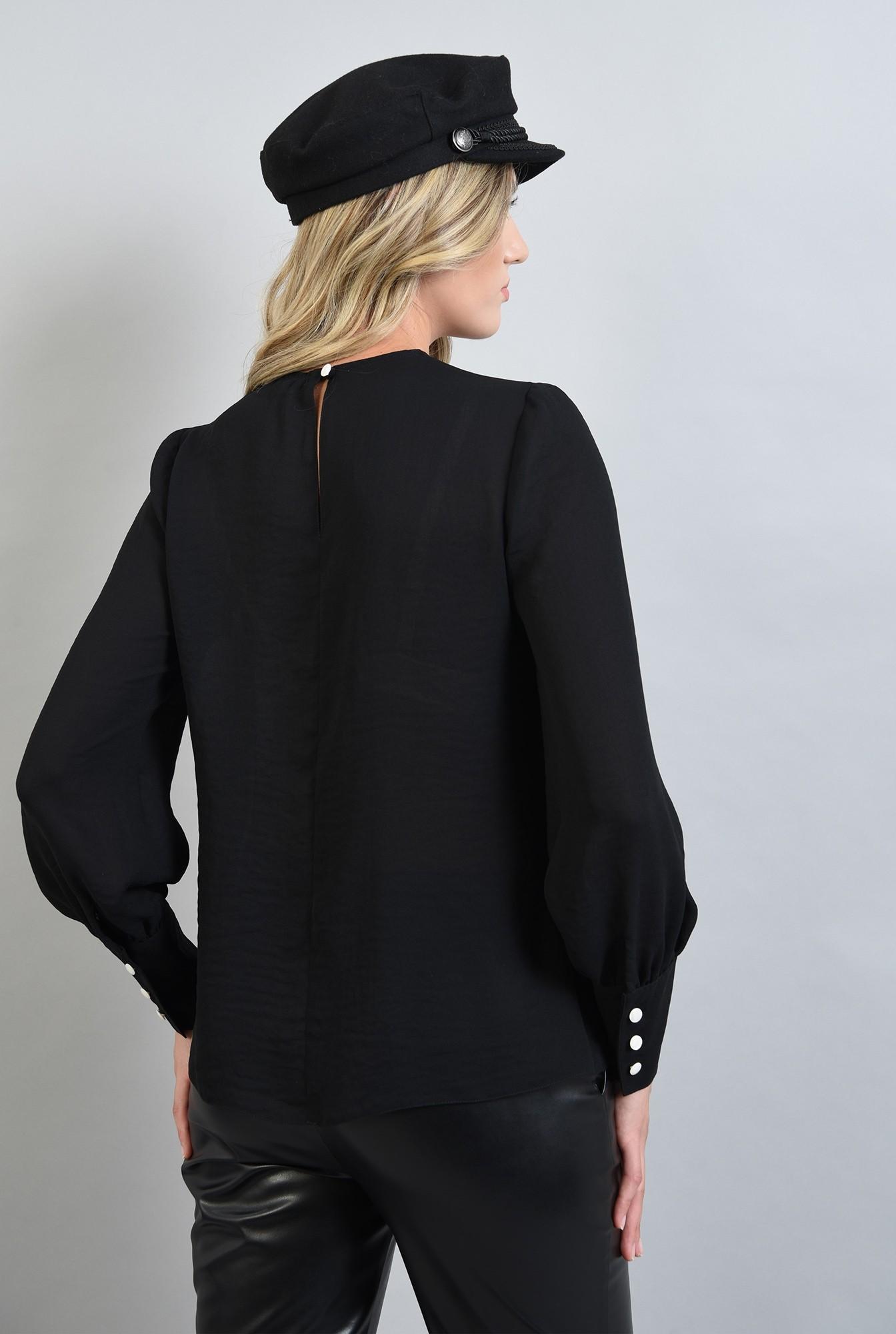 1 - bluza neagra, lejera, cu maneca lunga