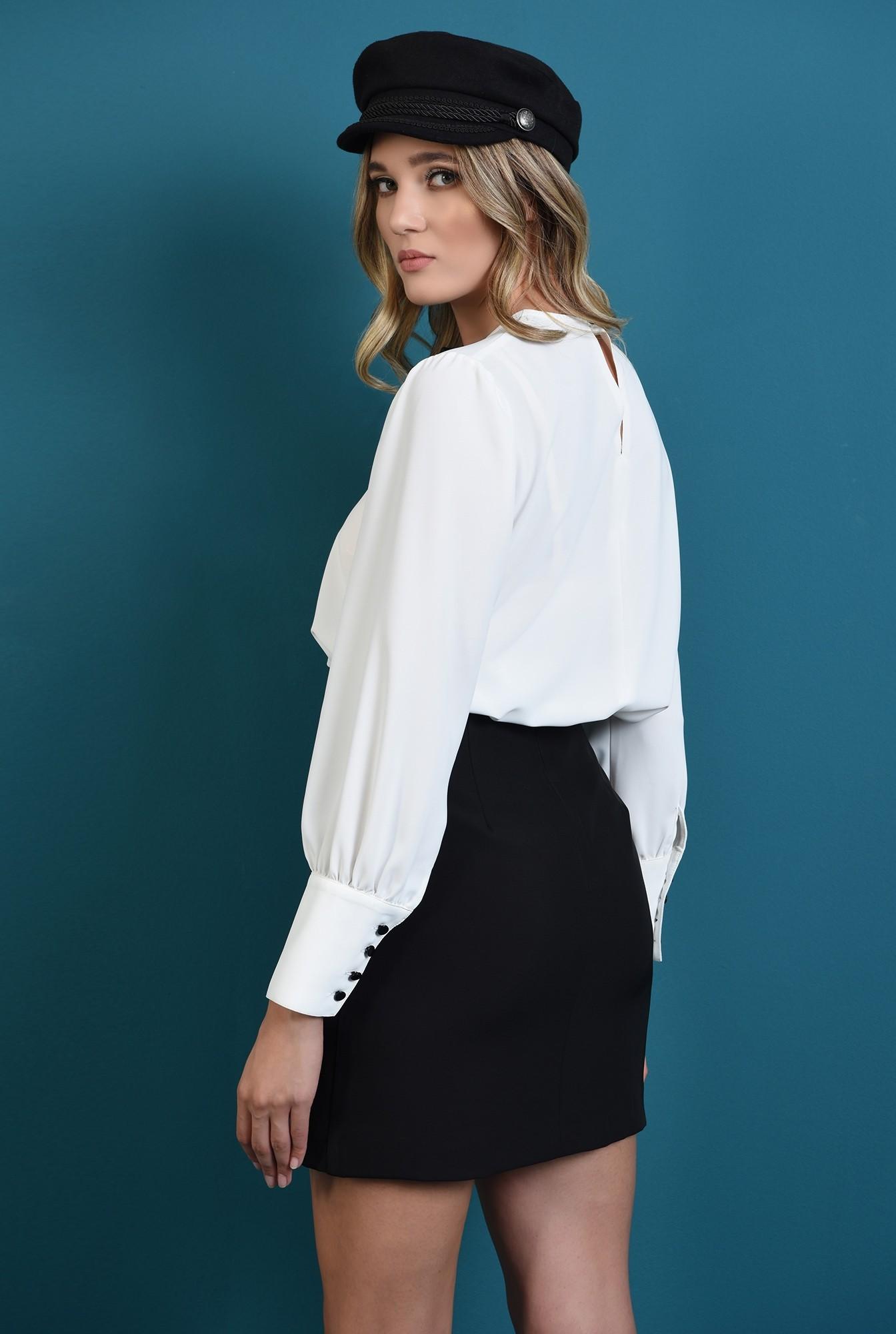 1 - bluza lejera, alba, cu maneca lunga