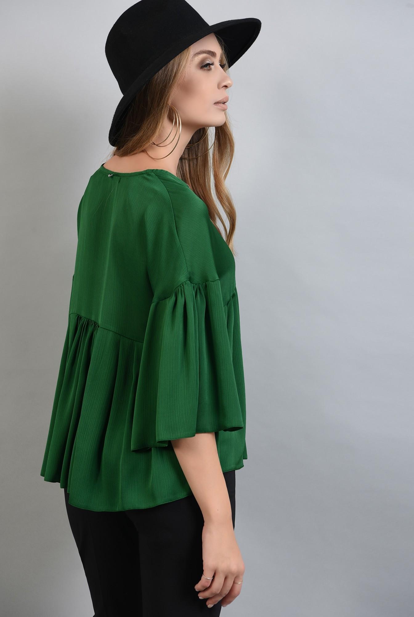 1 - bluza larga, verde, cu peplum