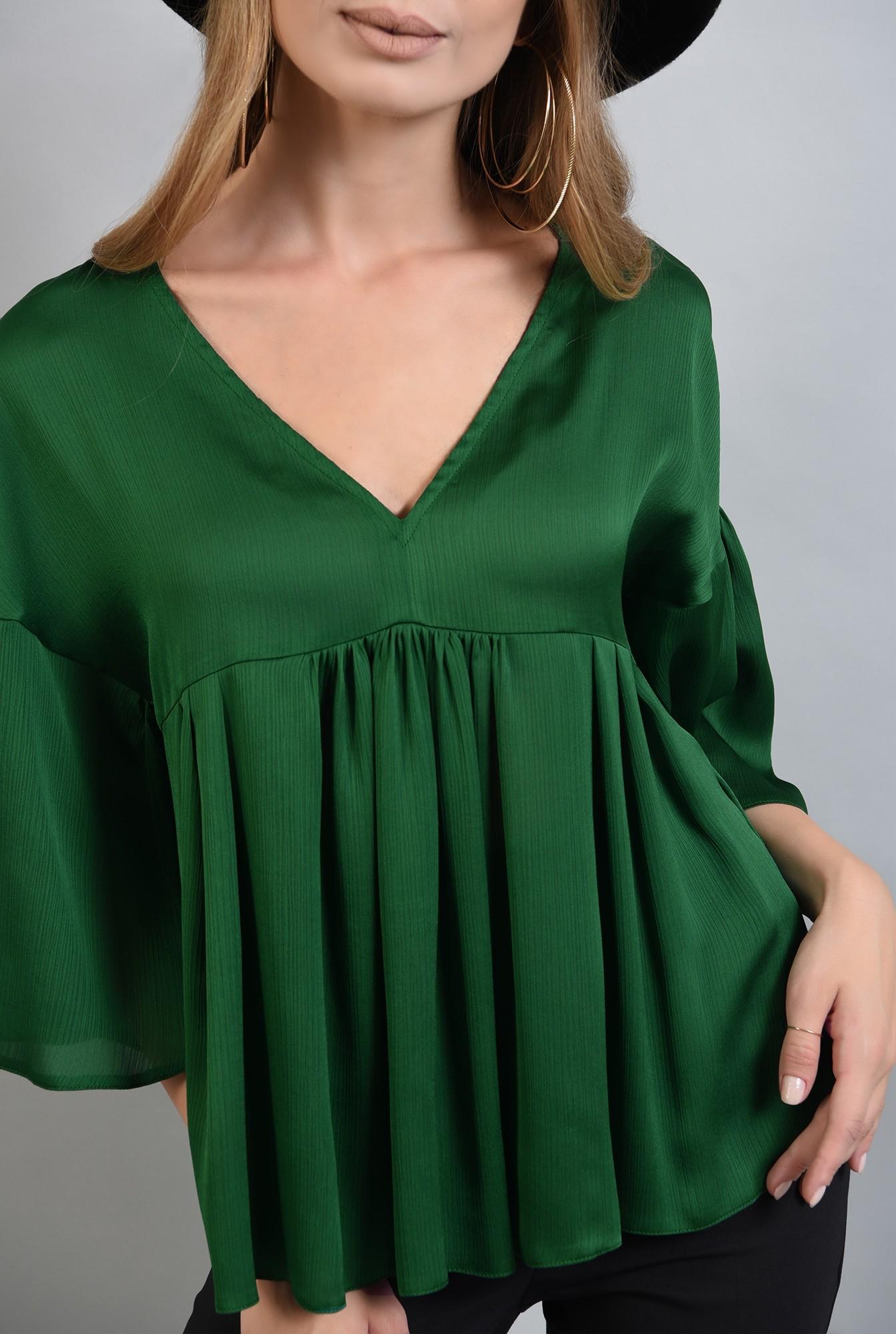 2 - bluza larga, verde, cu peplum