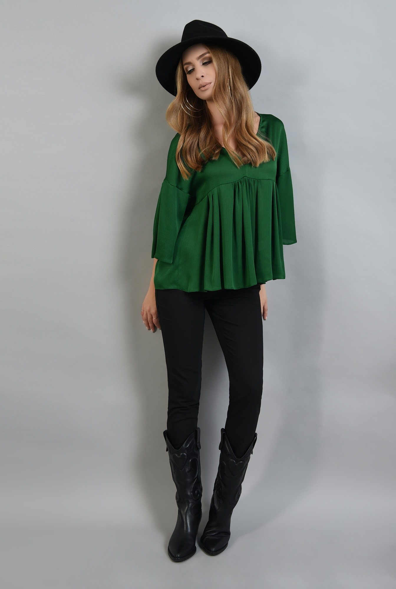 0 - bluza larga, verde, cu peplum