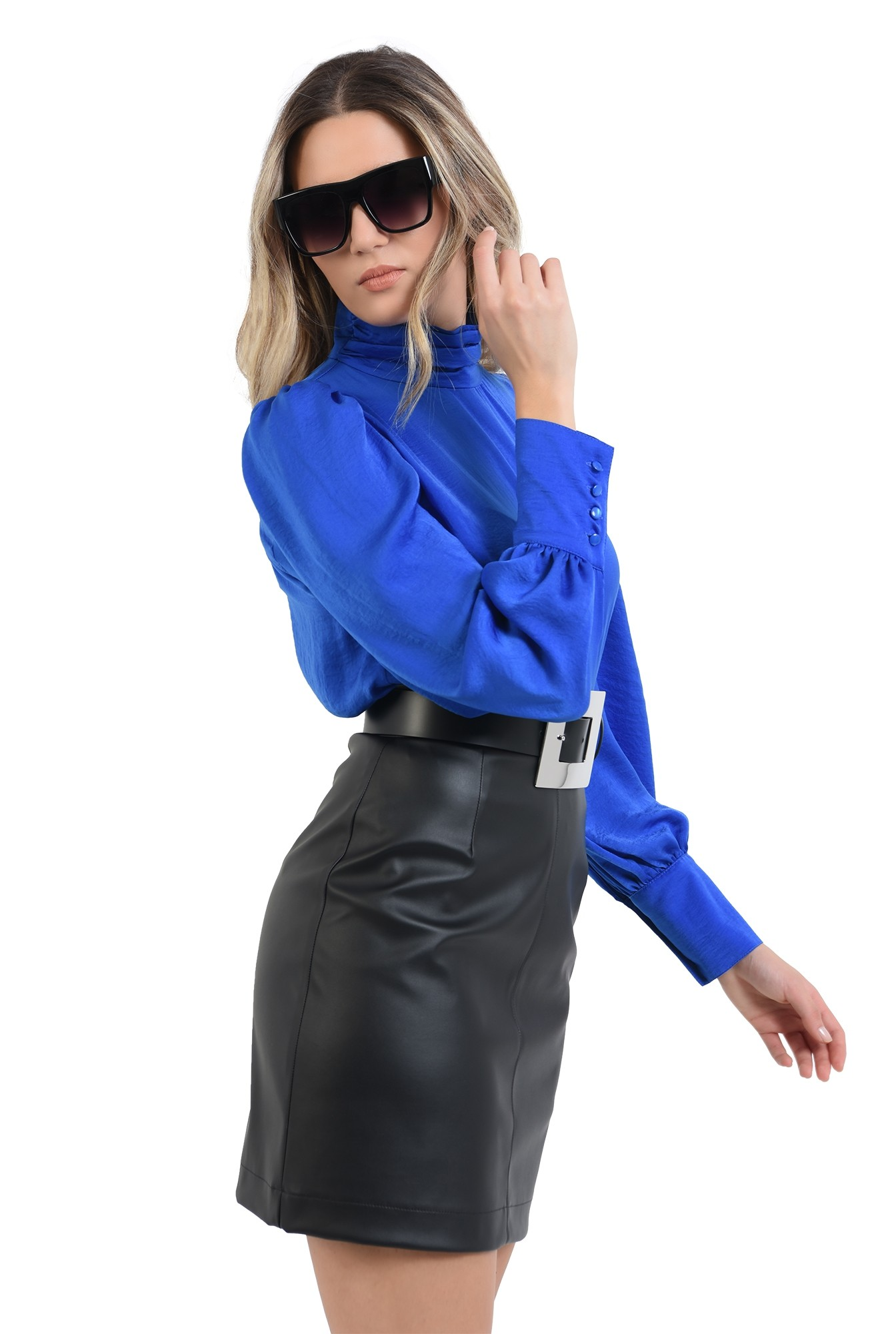 3 - 360 - bluza cu pliuri la gat, albastra, cu nasturi la manseta