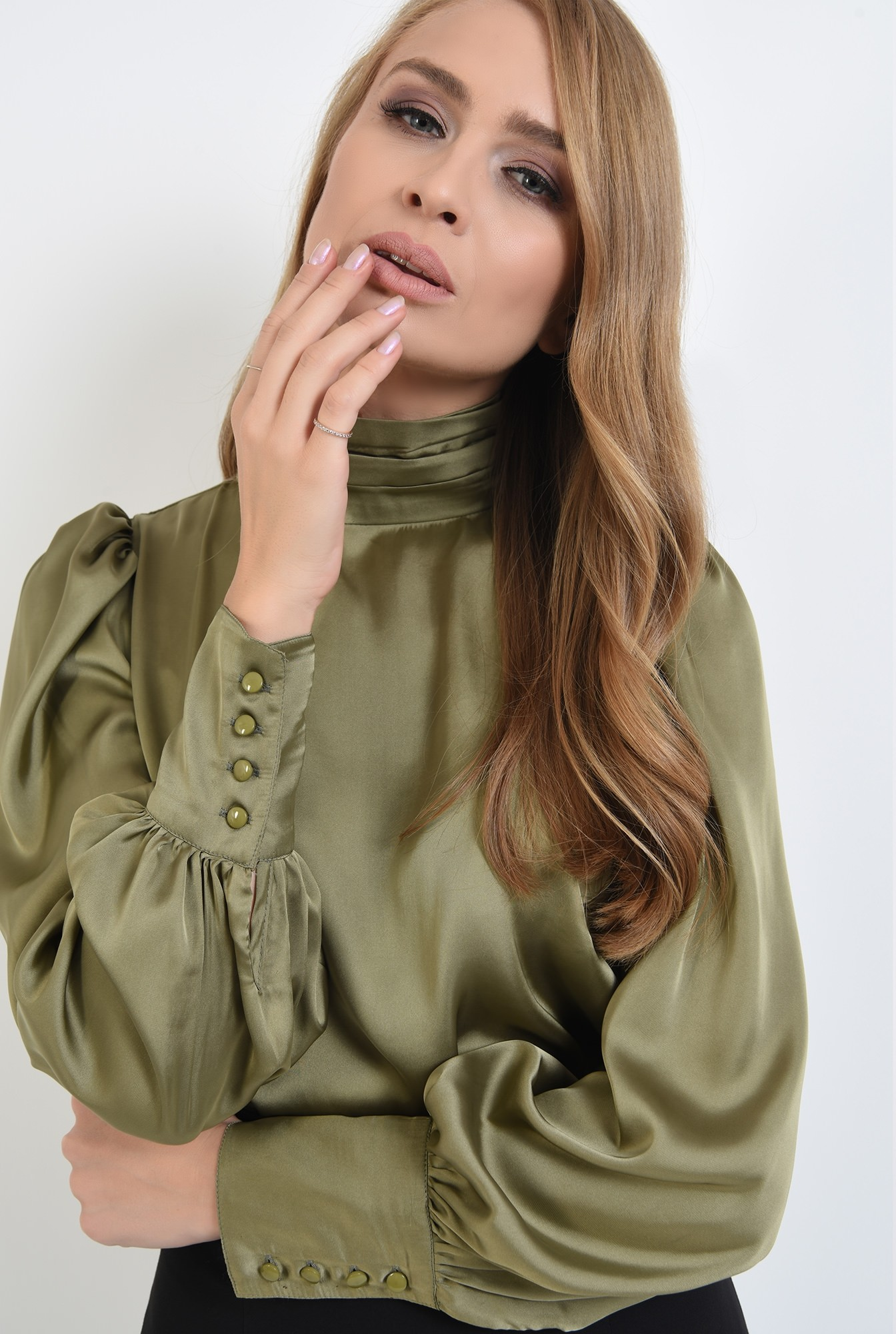 2 - 360 - bluza casual, cu umeri accentuati, cu nasturi la mansete