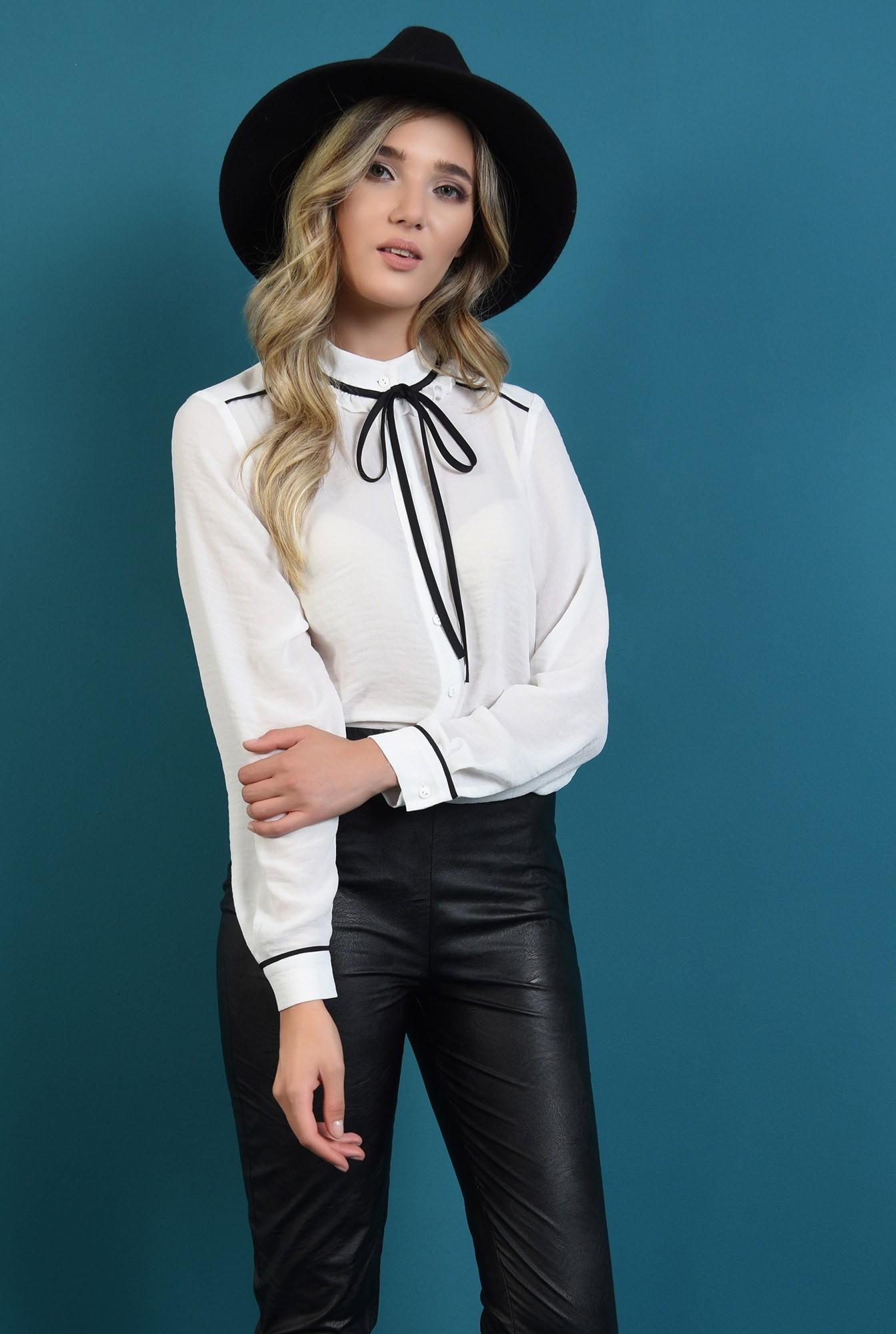 0 - bluza lejera, cu nasturi, cu funda neagra