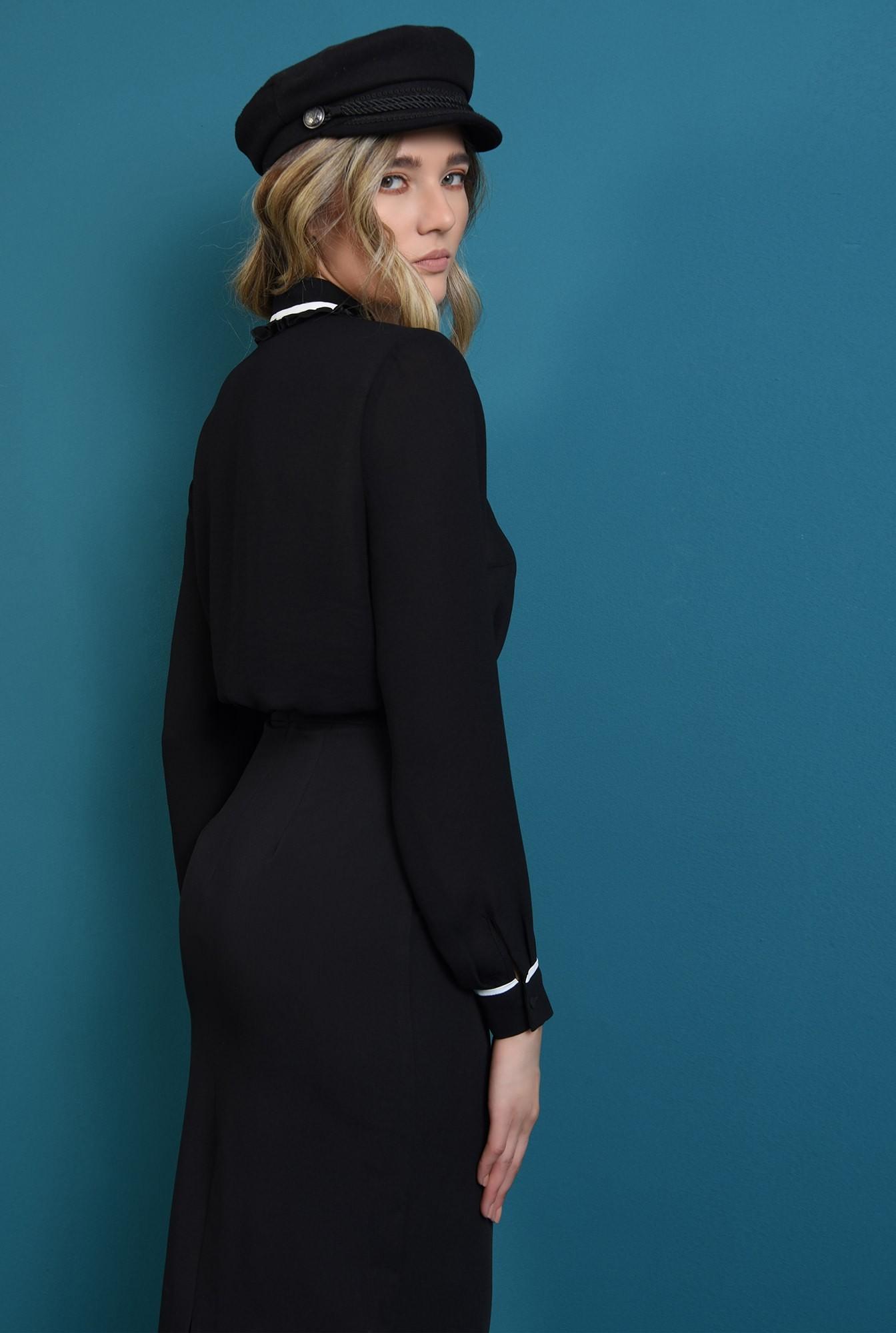 1 - bluza neagra,lejera, cu nasturi, cu maneca lunga