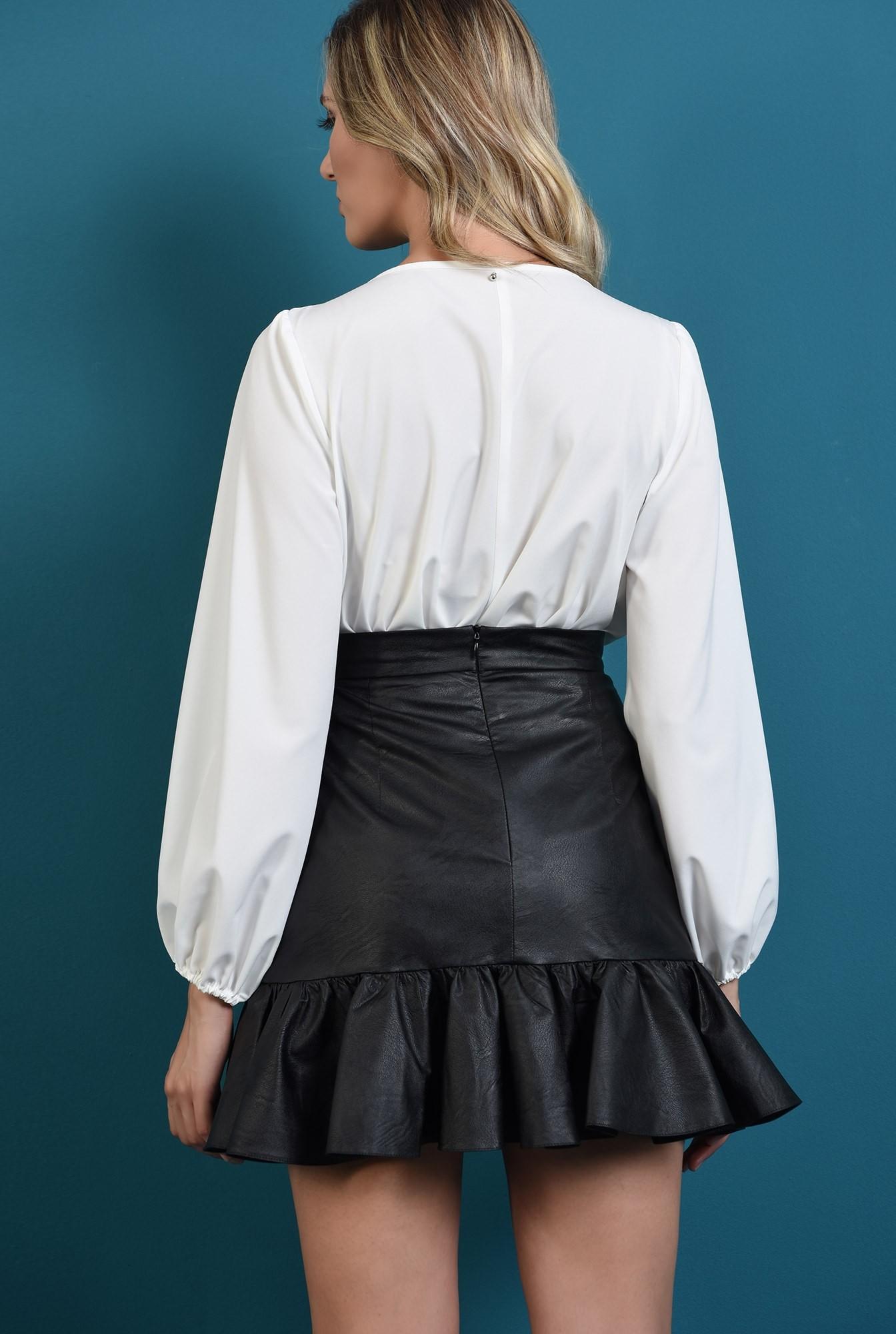 2 - bluza cu guler rotund, cu funda, cu maneca lunga