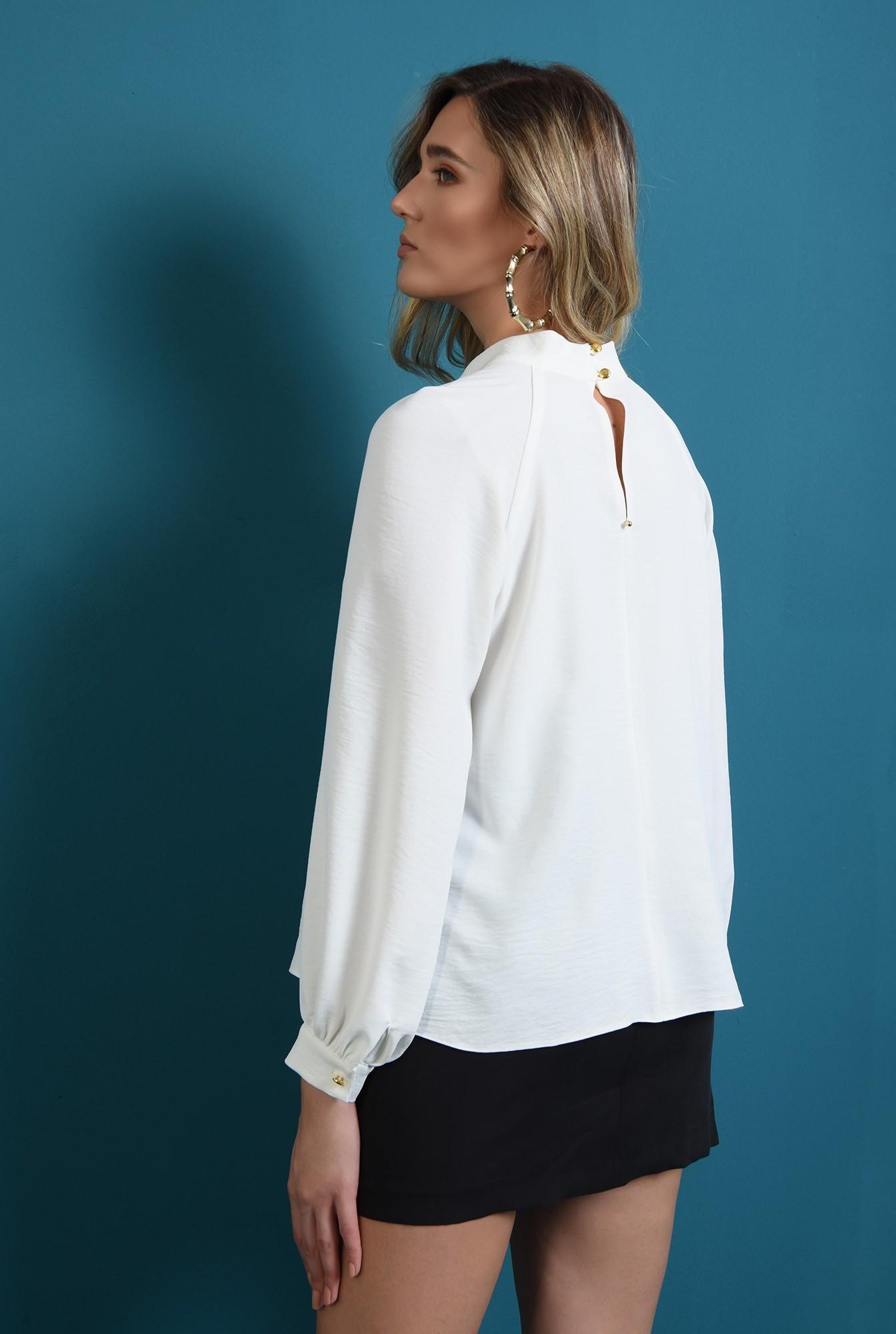 1 - bluza cu guler inalt, cu butoniera la spate, Poema