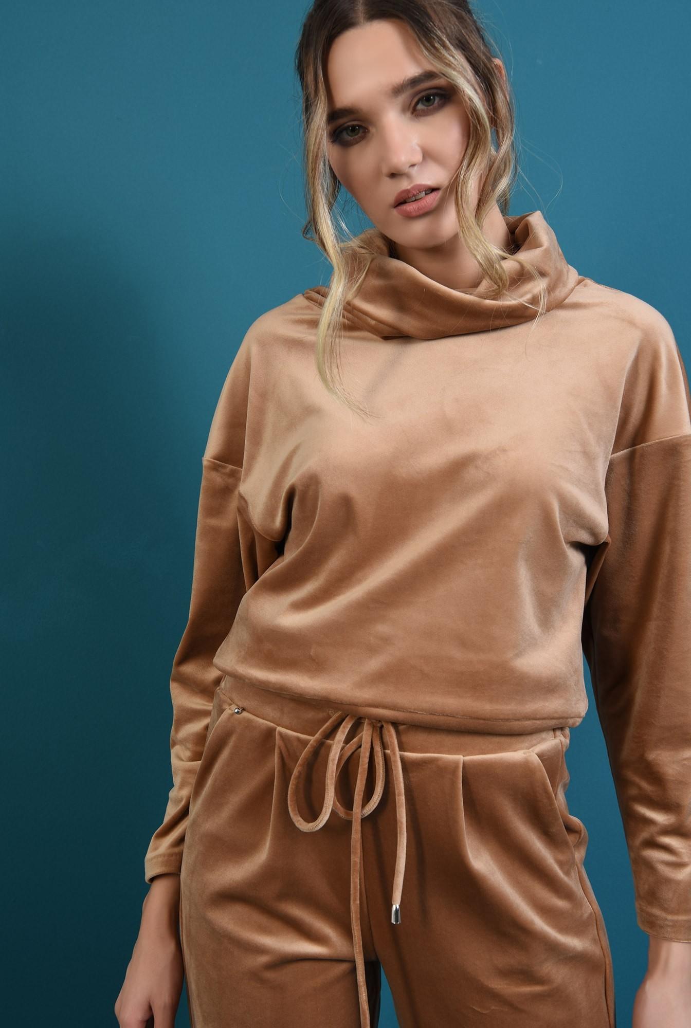 2 - bluza din catifea, cu spate decupat, cu guler sal