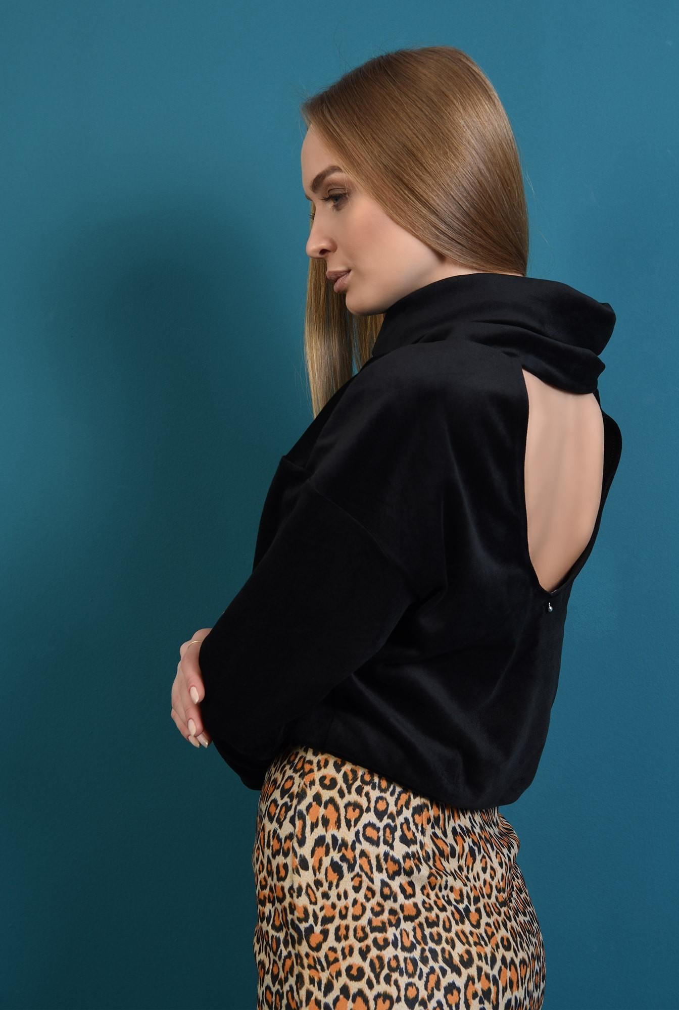 1 - bluza neagra, din catifea, cu spate gol, cu guler sal