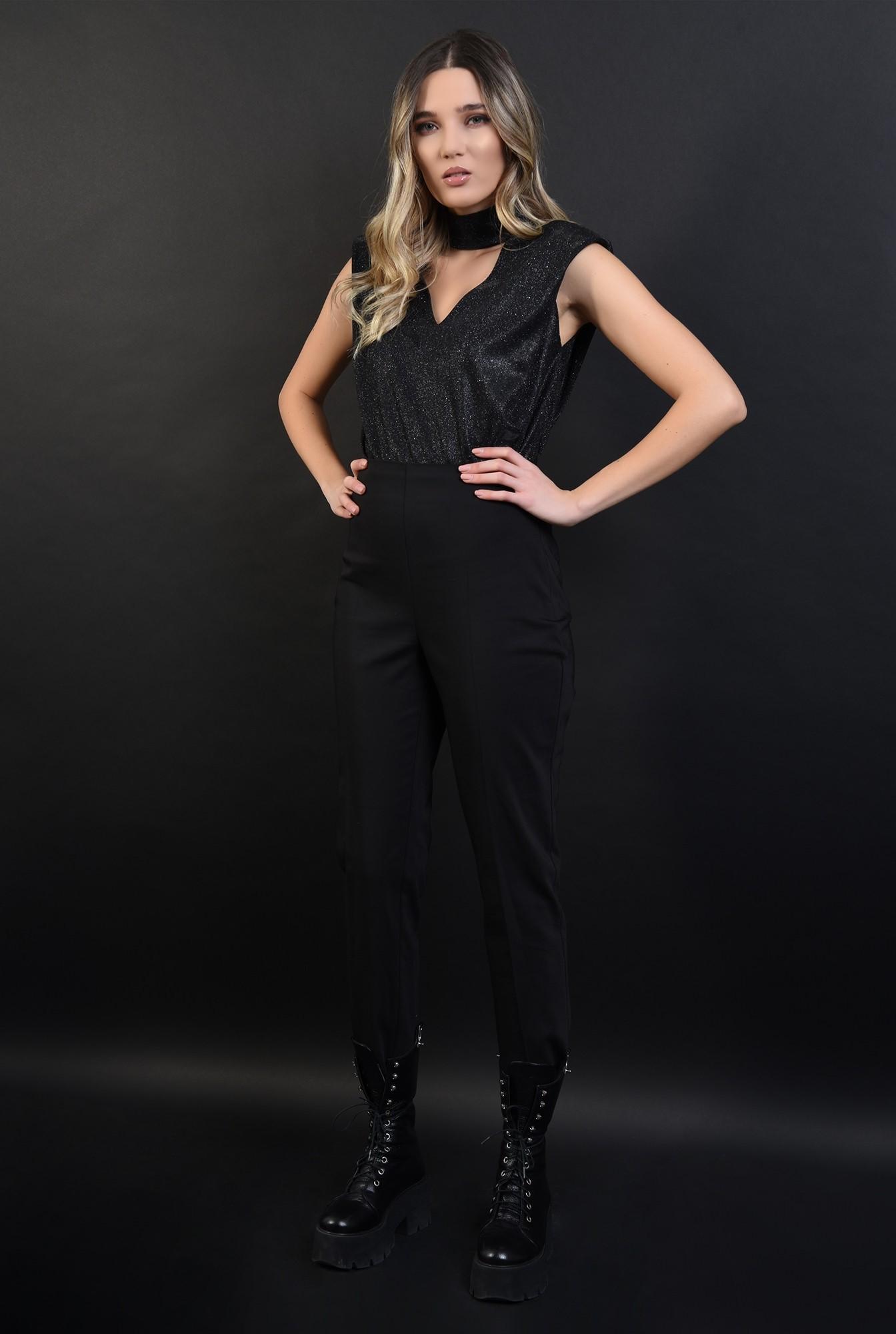 3 - bluza neagra, din lurex, cu umeri accentuati