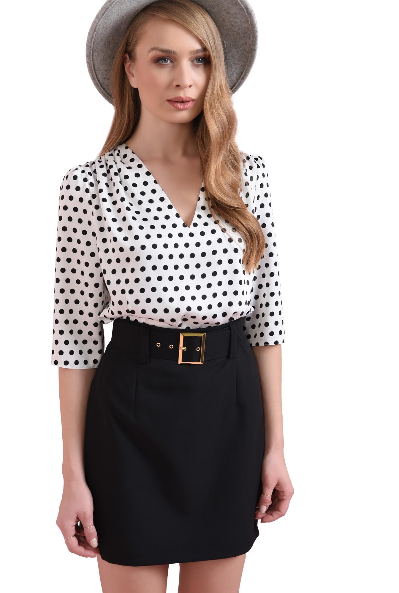 3 - bluza cu imprimeu, cu umeri accentuati