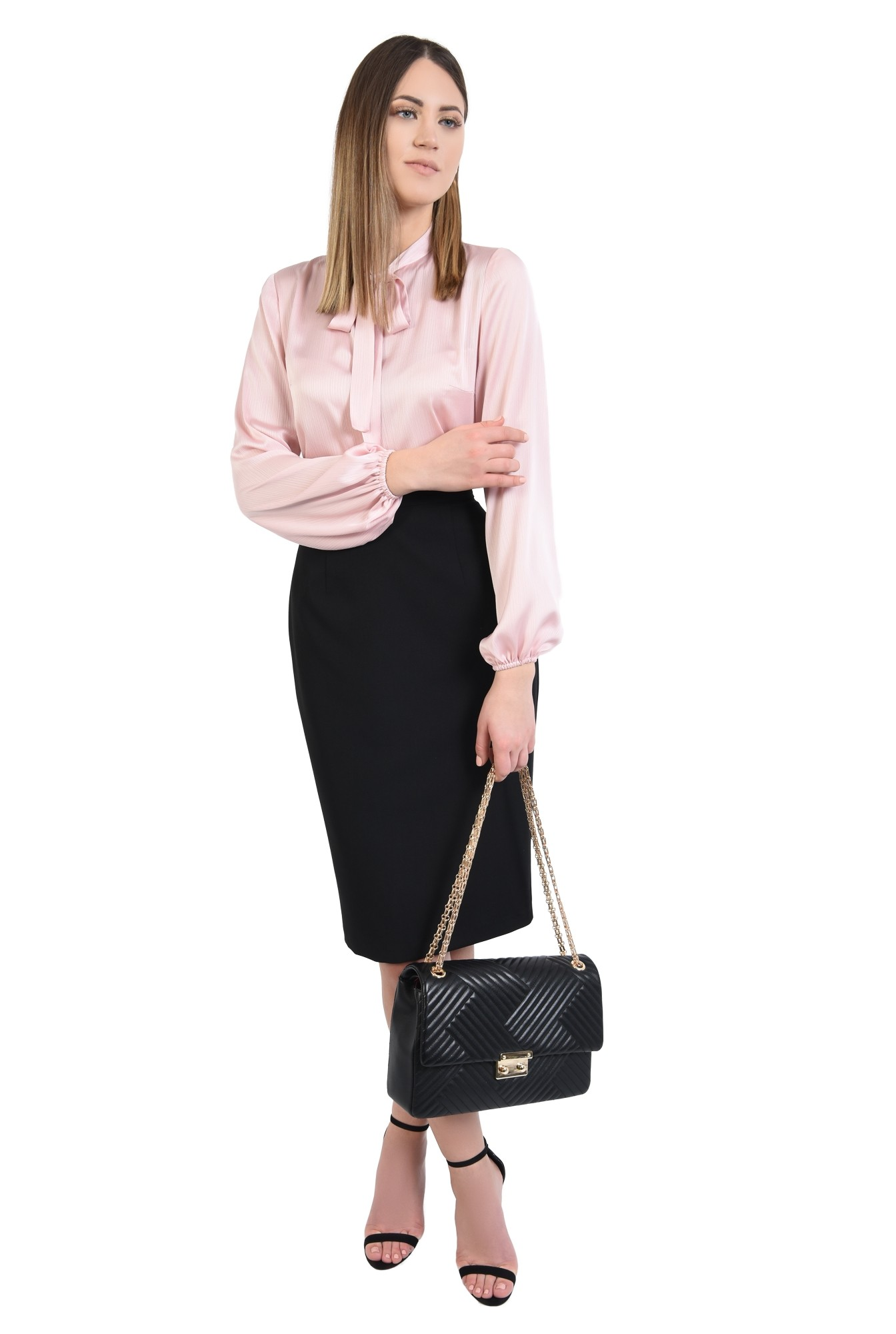 3 - 360 - bluza roz, dreapta, cu guler esarfa subtire, maneci bufante